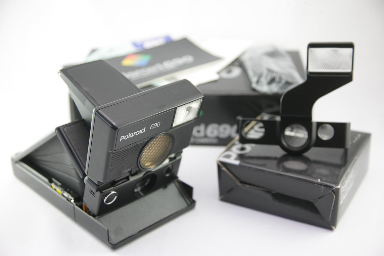File 0561 Polaroid 690 with closeup lens (9121982615).jpg ... db7fadfc8dc4
