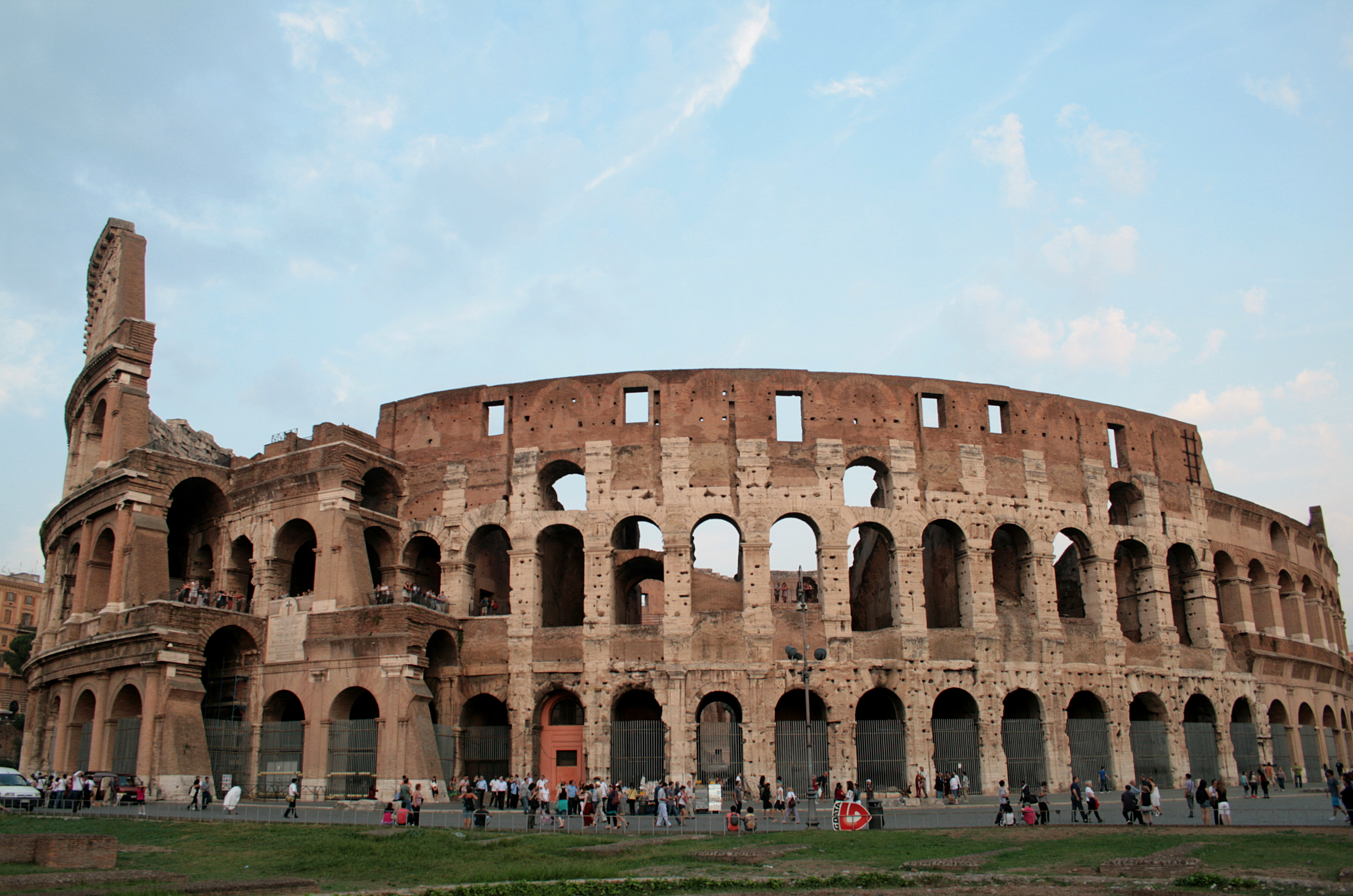 File 0 Colosseum - Rom...