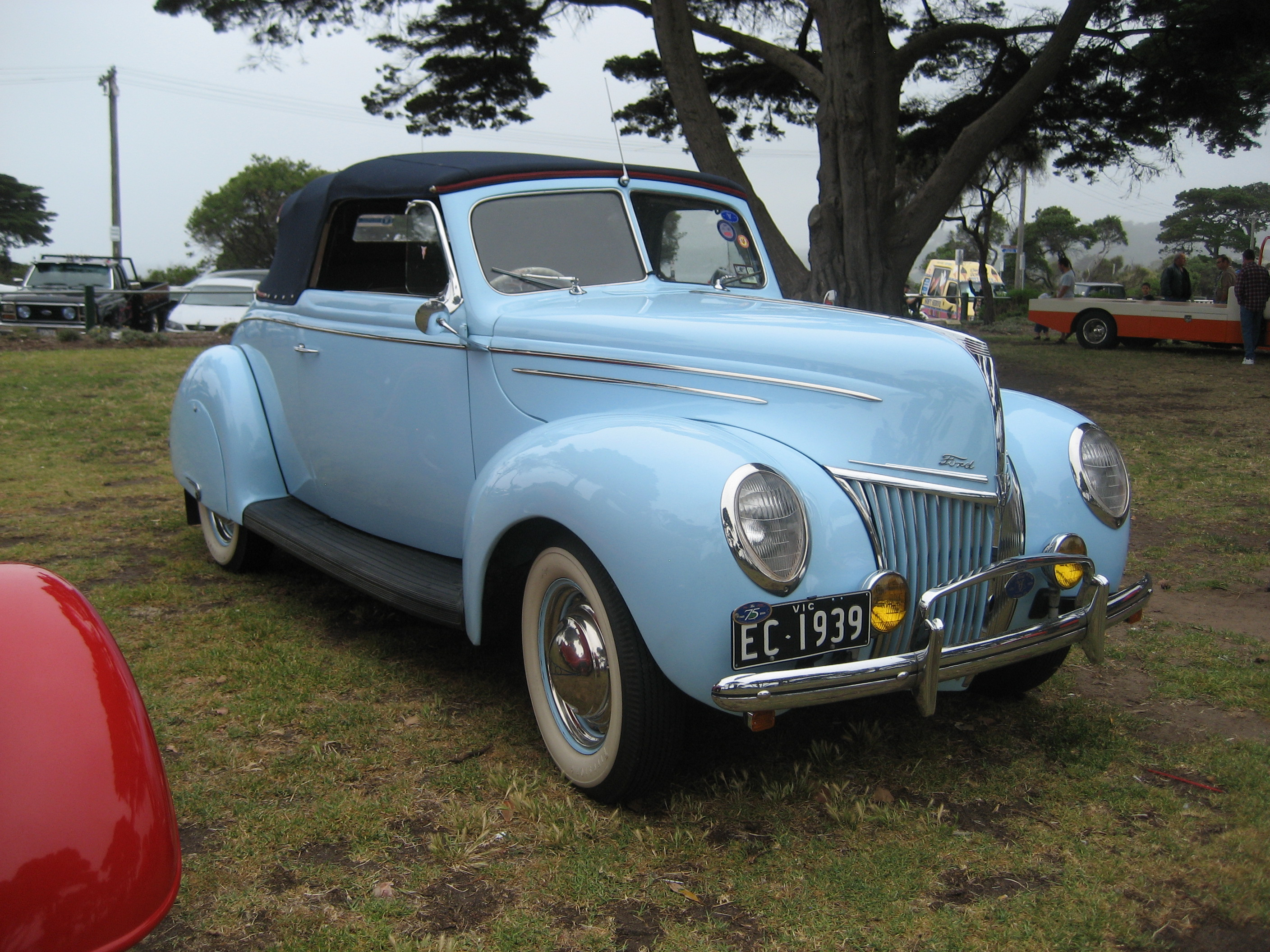 File 1939 ford deluxe convertible jpg wikimedia commons
