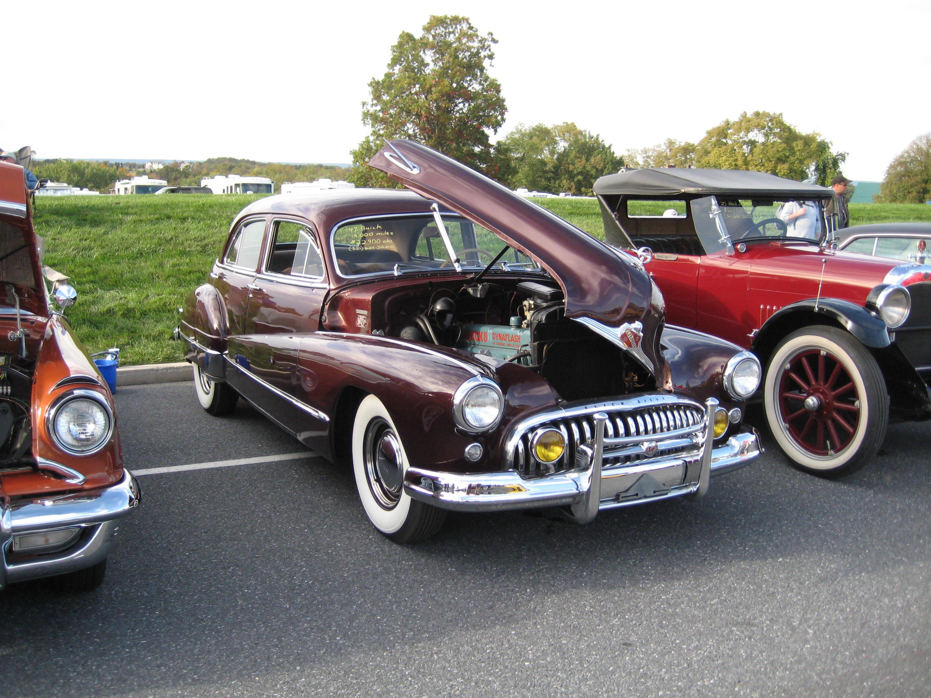 1947_Buick_(4400730380).jpg