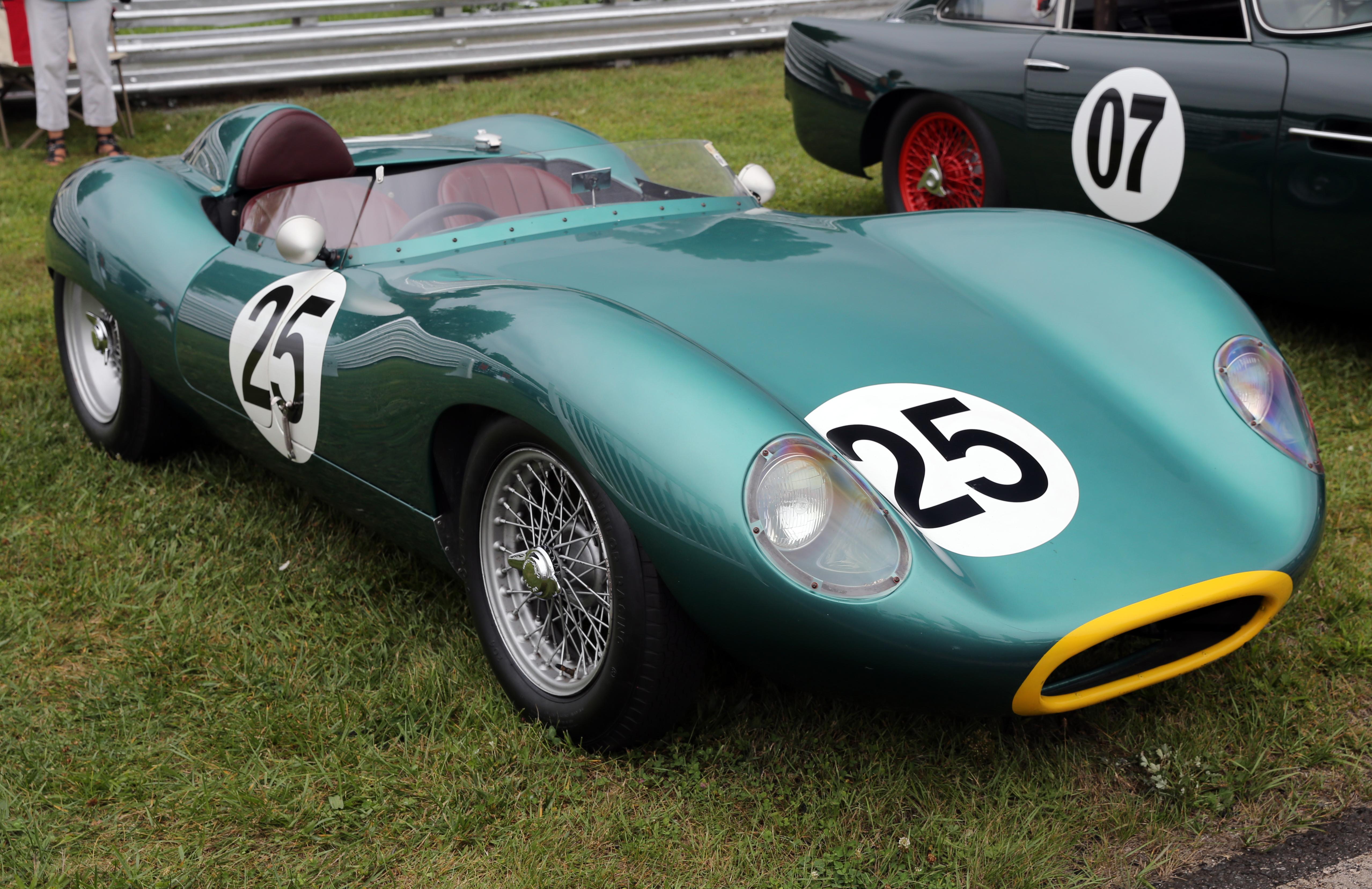 Concours D Elegance >> File:1958 Tojeiro-Climax Mk. II sports racer, Lime Rock.jpg - Wikimedia Commons