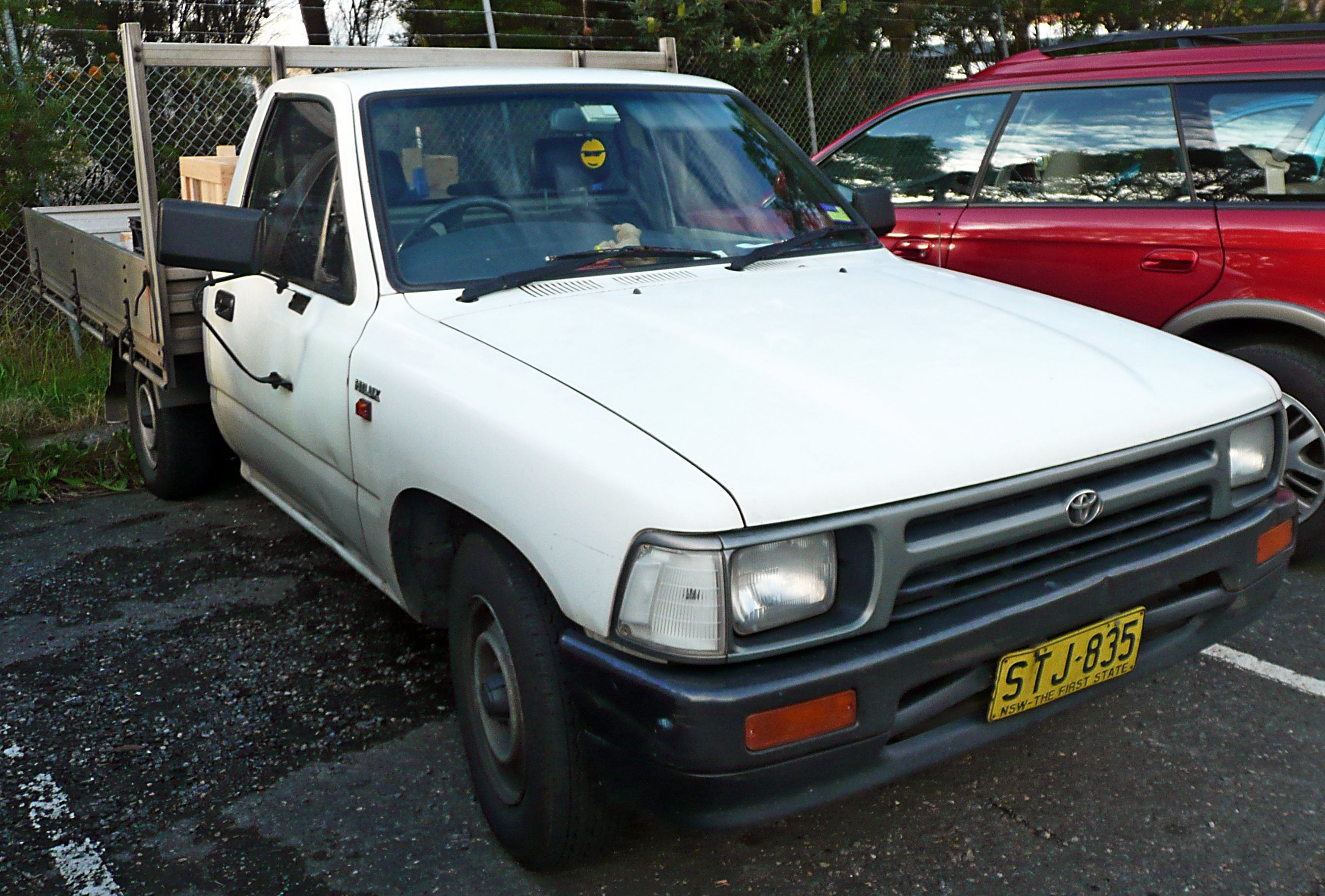 File 1991 1994 Toyota Hilux Rn85r 2 Door Cab Chassis 01