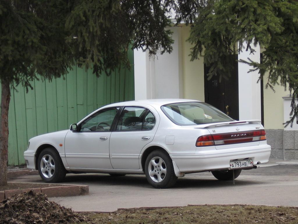 2005 nissan maxima 3 5 se sedan v6 manual rh carspecs us 1995 Nissan Maxima 1996 Nissan Maxima