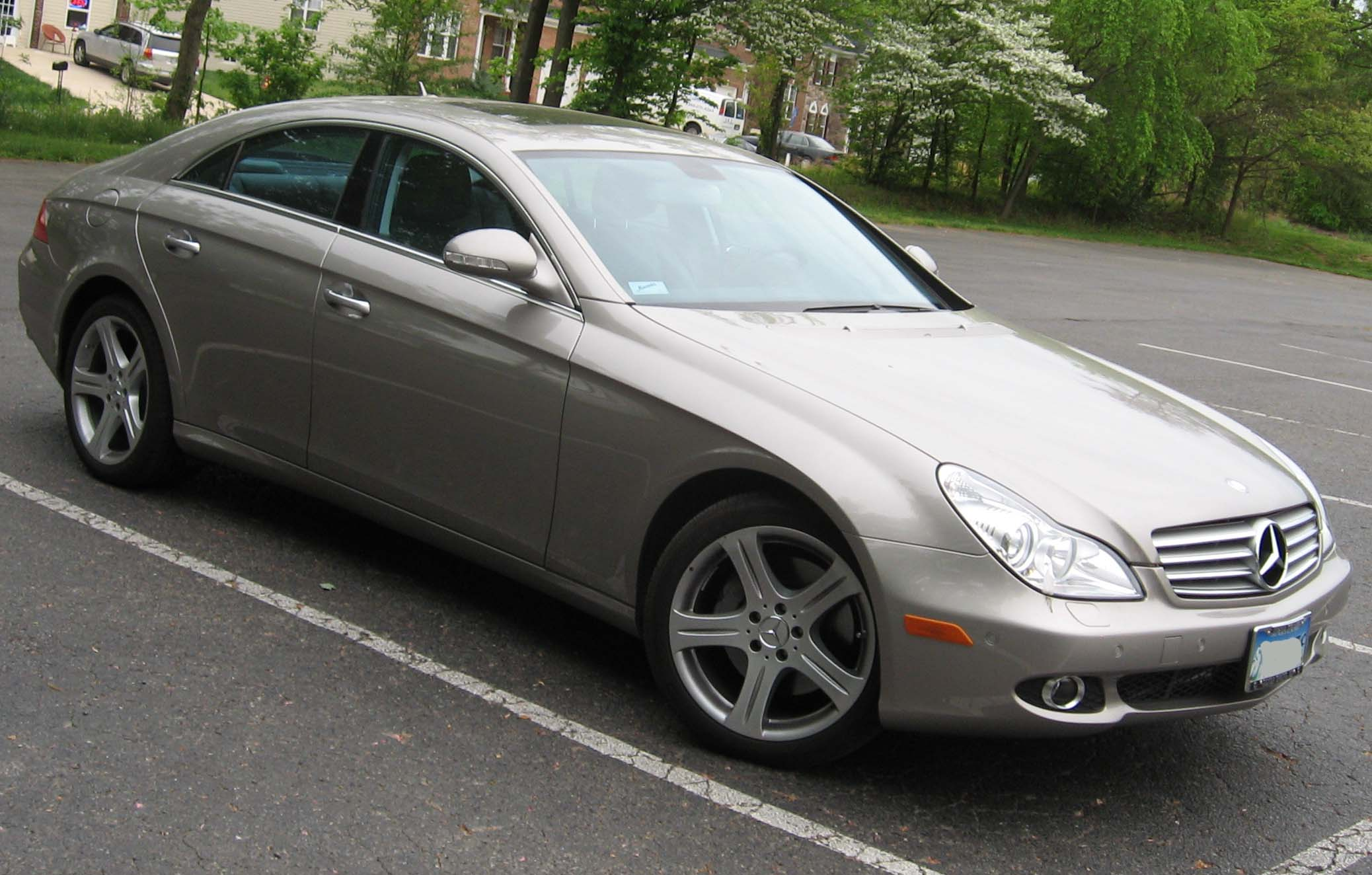 File2007 Mercedes Benz CLS550
