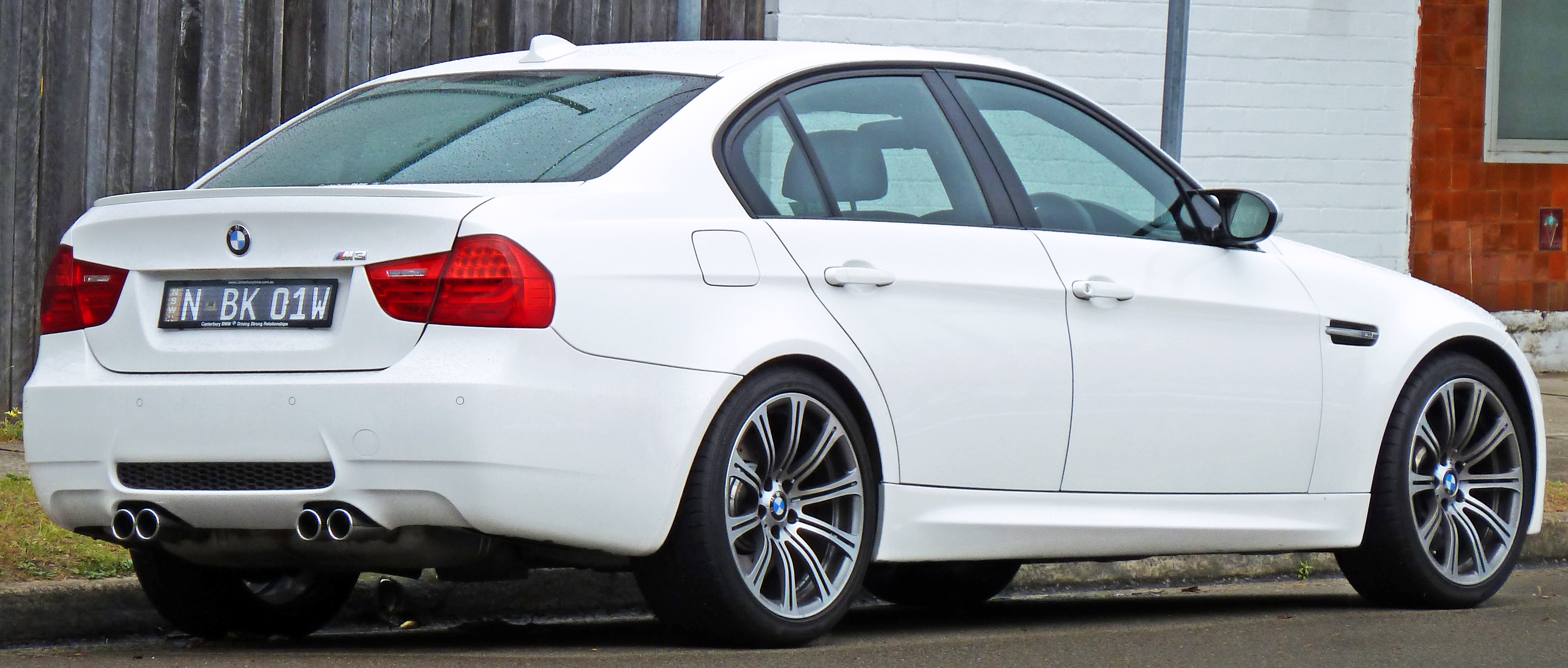 File:2008-2010 BMW M3 (E90) sedan 05.jpg - Wikimedia Commons