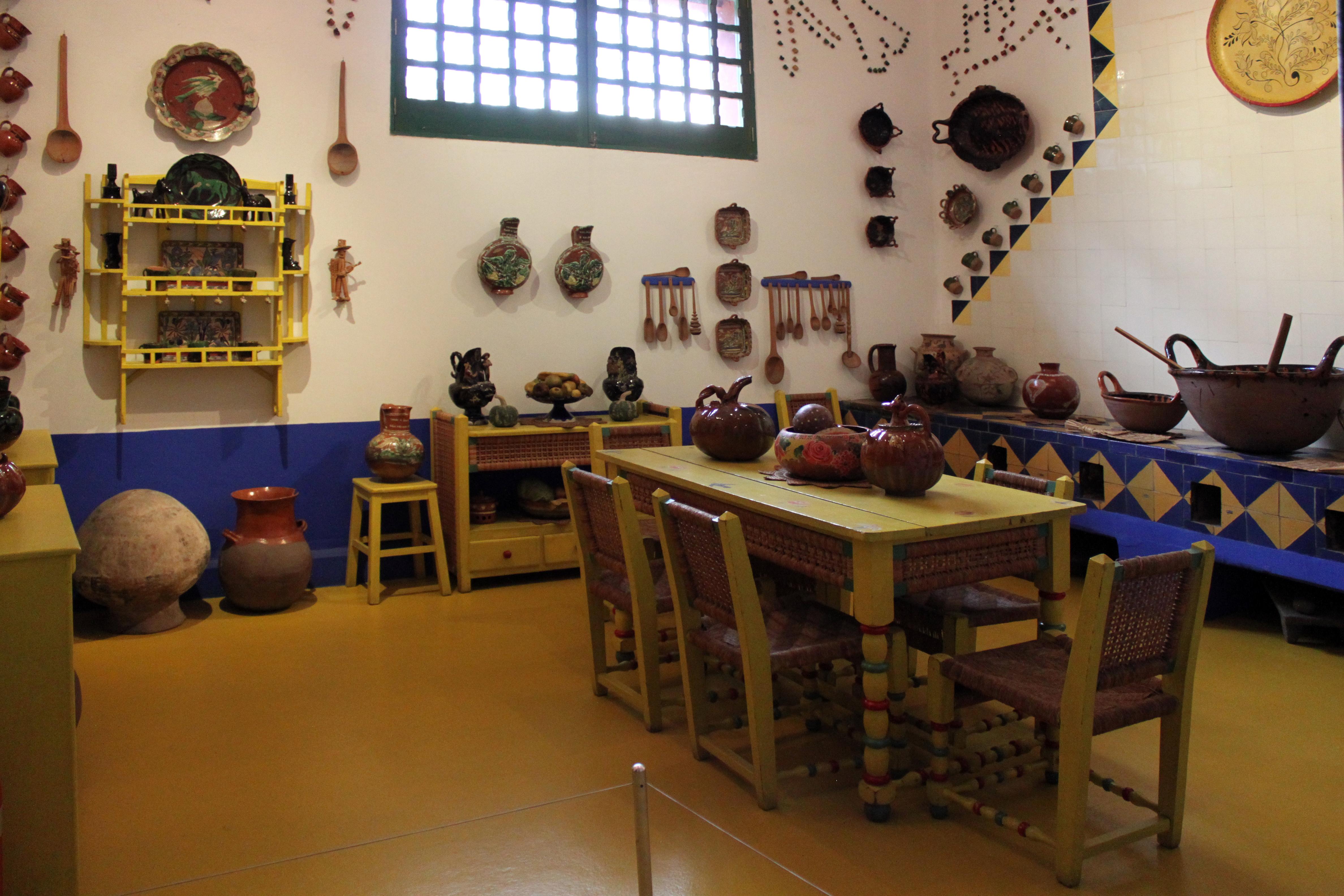 File:2013-12-22 Küche Frida Kahlo Museum Mexico City anagoria.JPG ...
