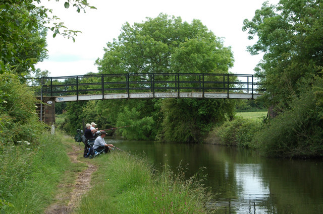 A quiet afternoon at bridge 72a - geograph.org.uk - 1346669