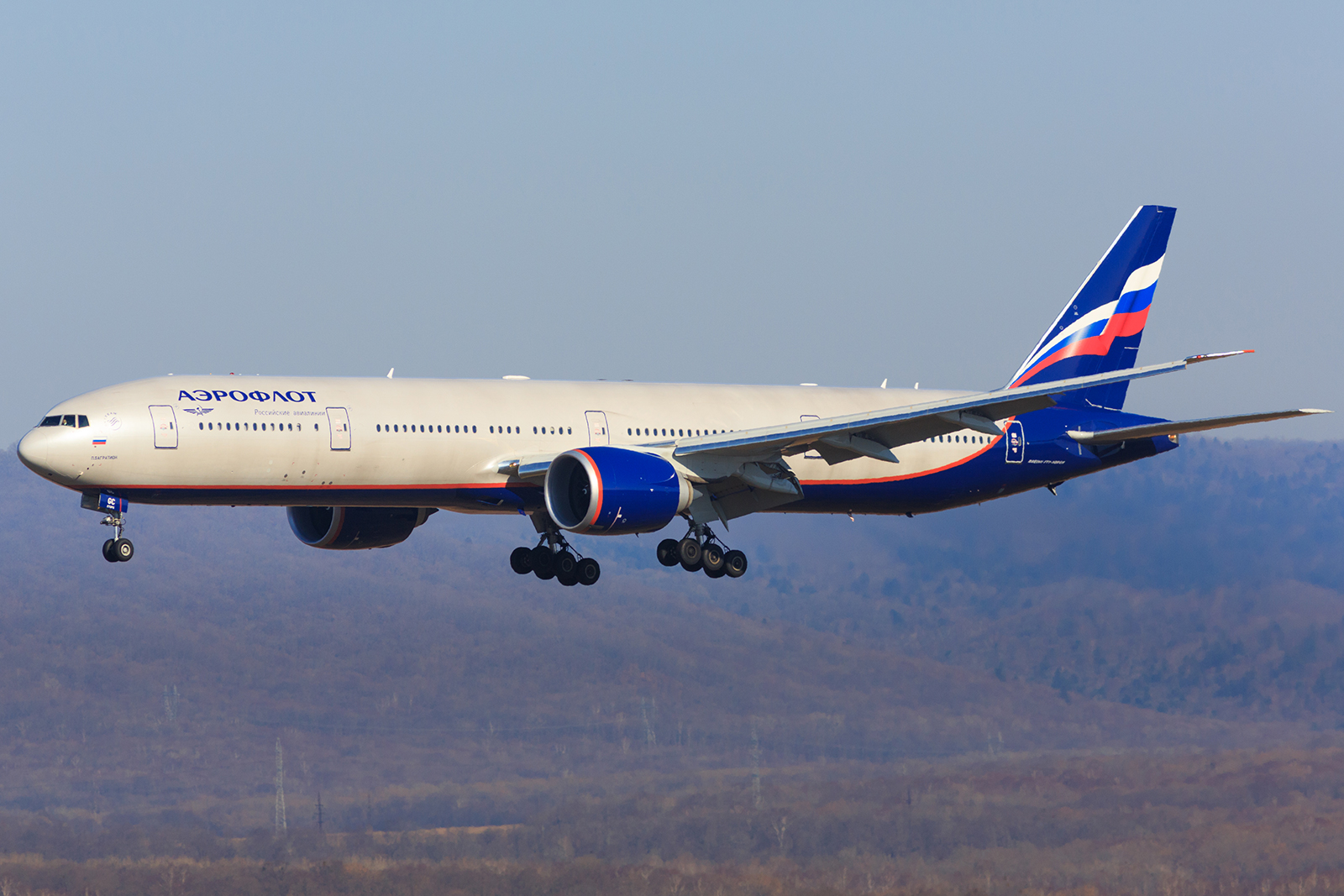 https://ru.wikipedia.org/wiki/Файл:Aeroflot_-_Russian_Airlines,_Boeing_777-300ER,_VP-BGC.jpg