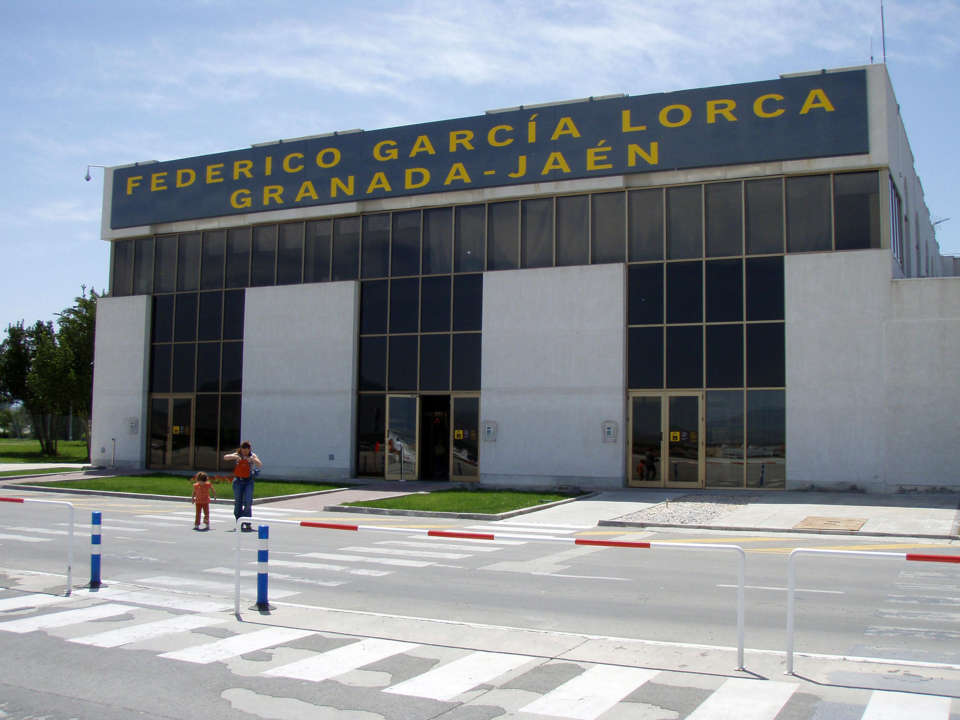 Aeroport De Malaga Centre Ville De Malaga En V Ef Bf Bdlo