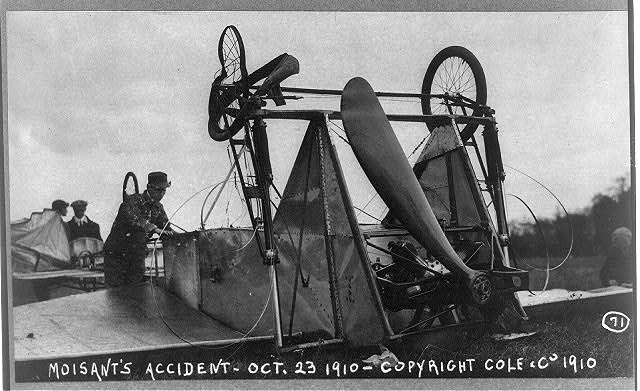 File:Airplane crashed by John Moisant (October 23, 1910).jpg