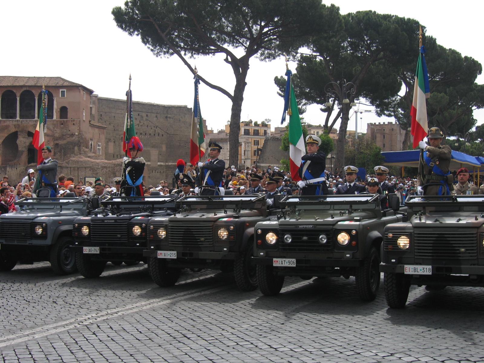 Decorazioni alla bandiera dell 39 aeronautica militare for Bandiera di guerra italiana
