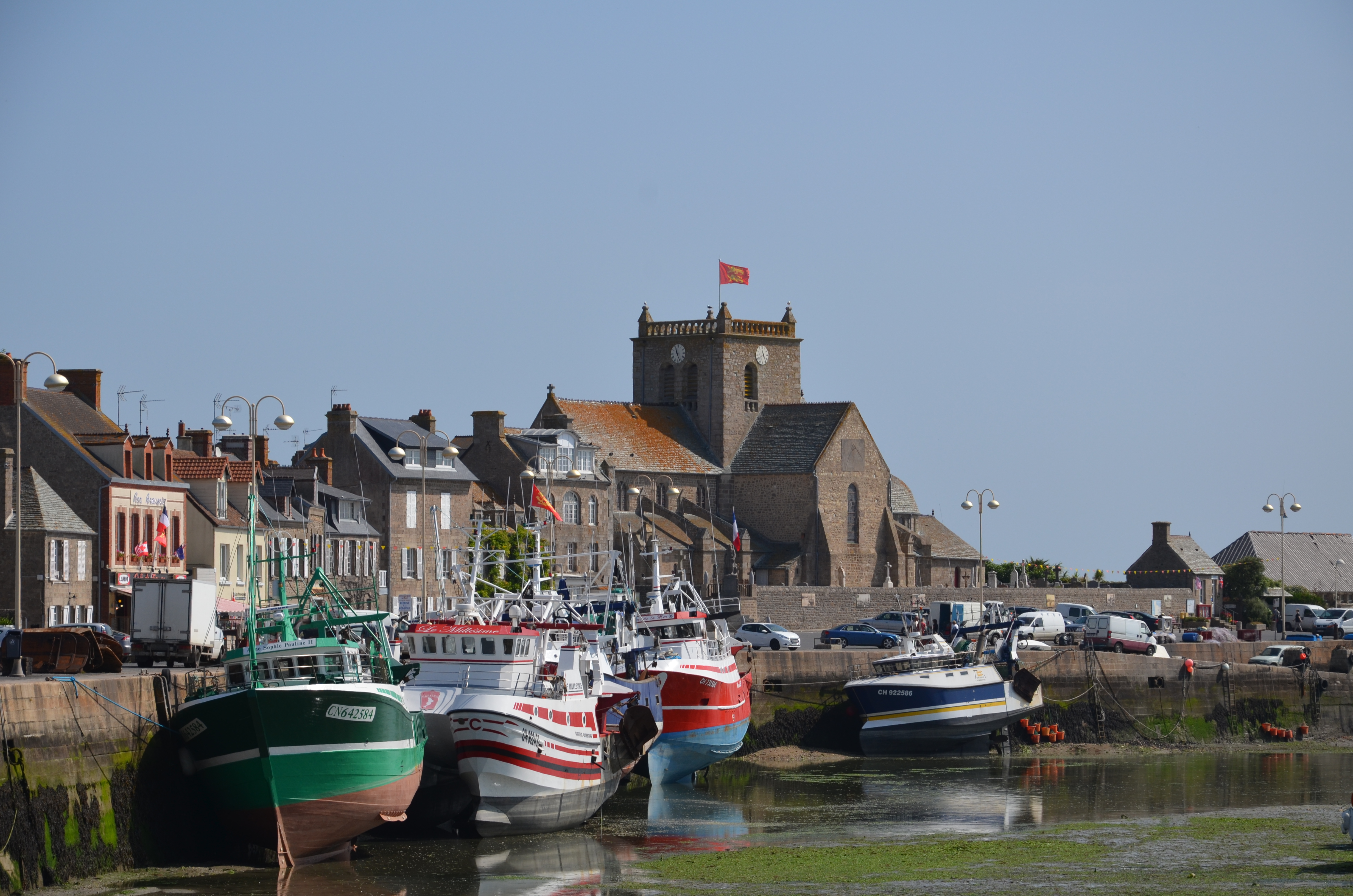 File Barfleur Port Et 201 Glise Saint Nicolas Jpg Wikimedia Commons