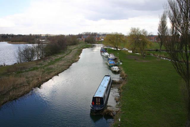 Boats on River Nene at Thrapston - geograph.org.uk - 373377
