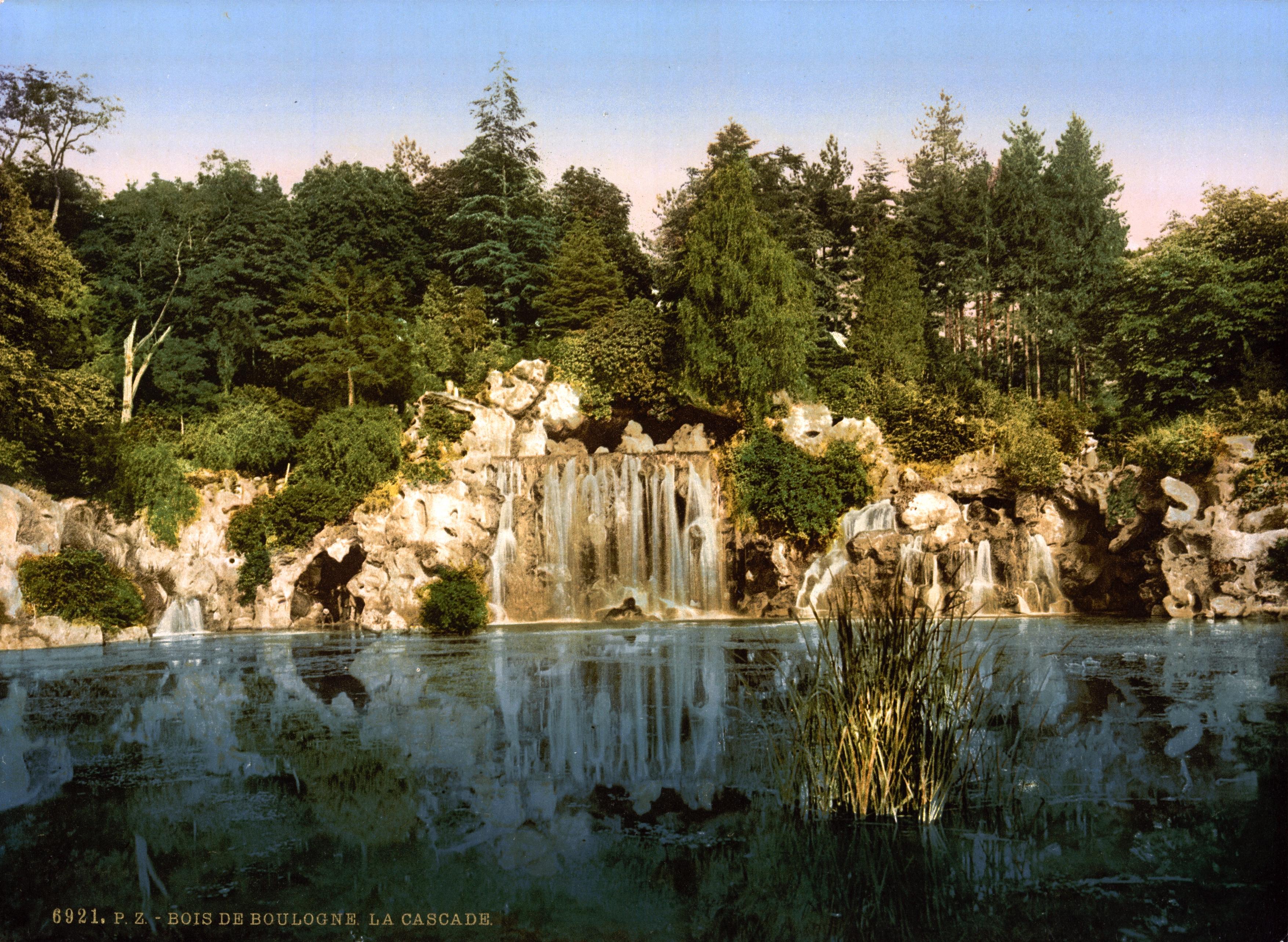 Description Bois du Boulogne, the cascade, Paris, France, ca 1890