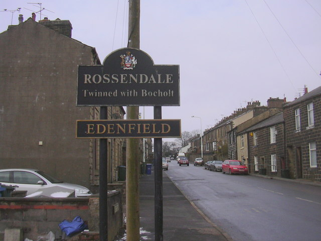 Boundary Signs, Bury Road - geograph.org.uk - 1149572