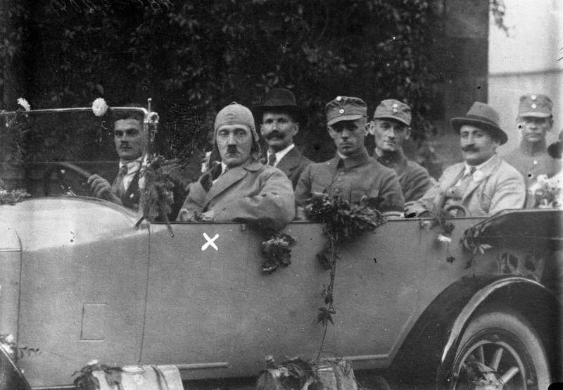 Bundesarchiv Bild 102-00204, Bayern, Hitler auf Propagandafahrt