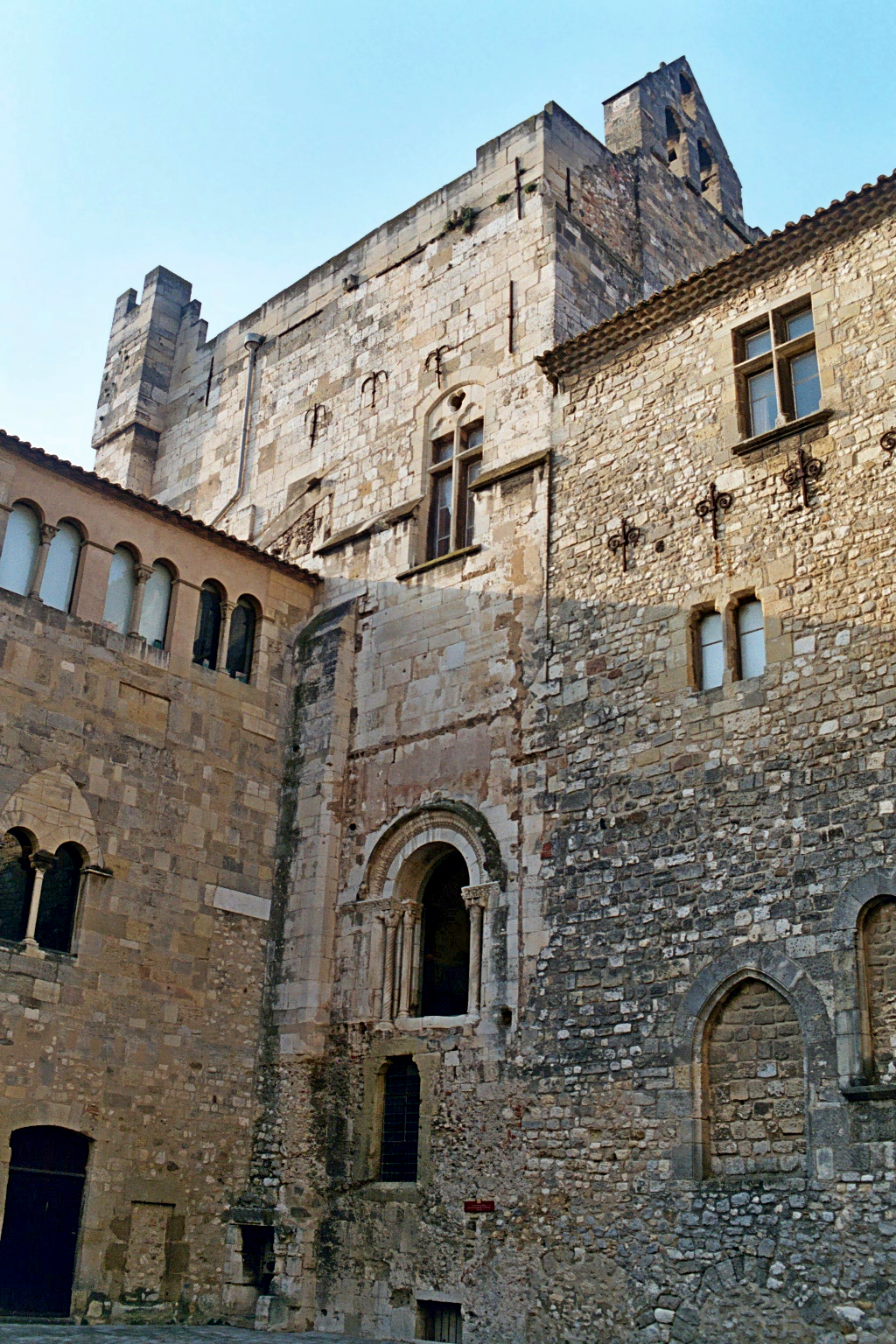 Narbonne Version 3 1: File:Chapelle De La Madeleine (Narbonne) 1.JPG