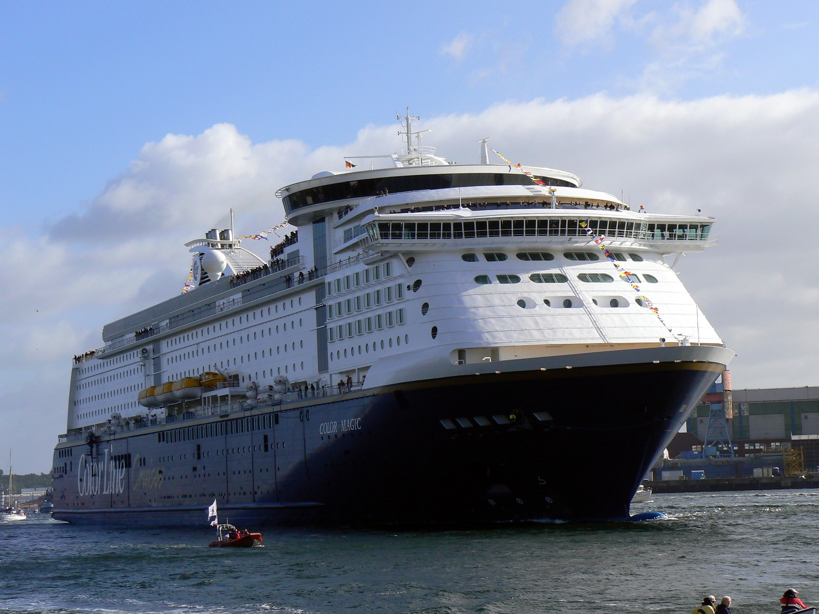 Book color line ferry - Ms Color Magic The Largest