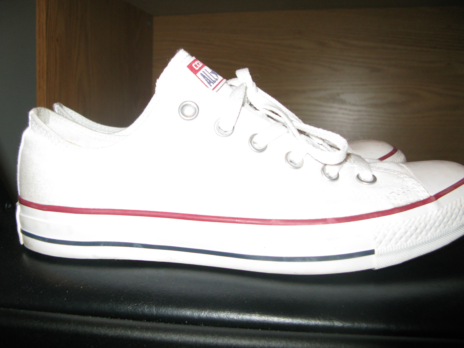 File Converse side view.JPG - Wikimedia Commons 0ccacafc3