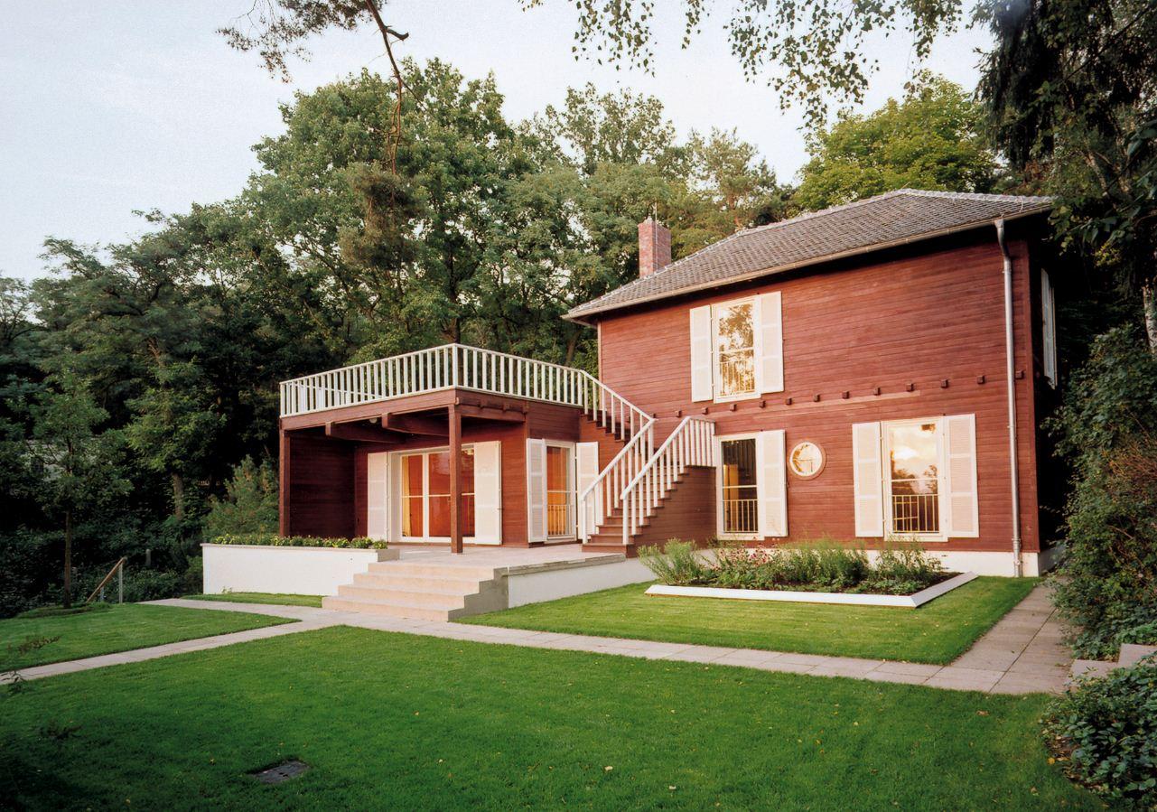 File:Cornelsen Kulturstiftung - Einstein-Haus Caputh.JPG - Wikimedia ...
