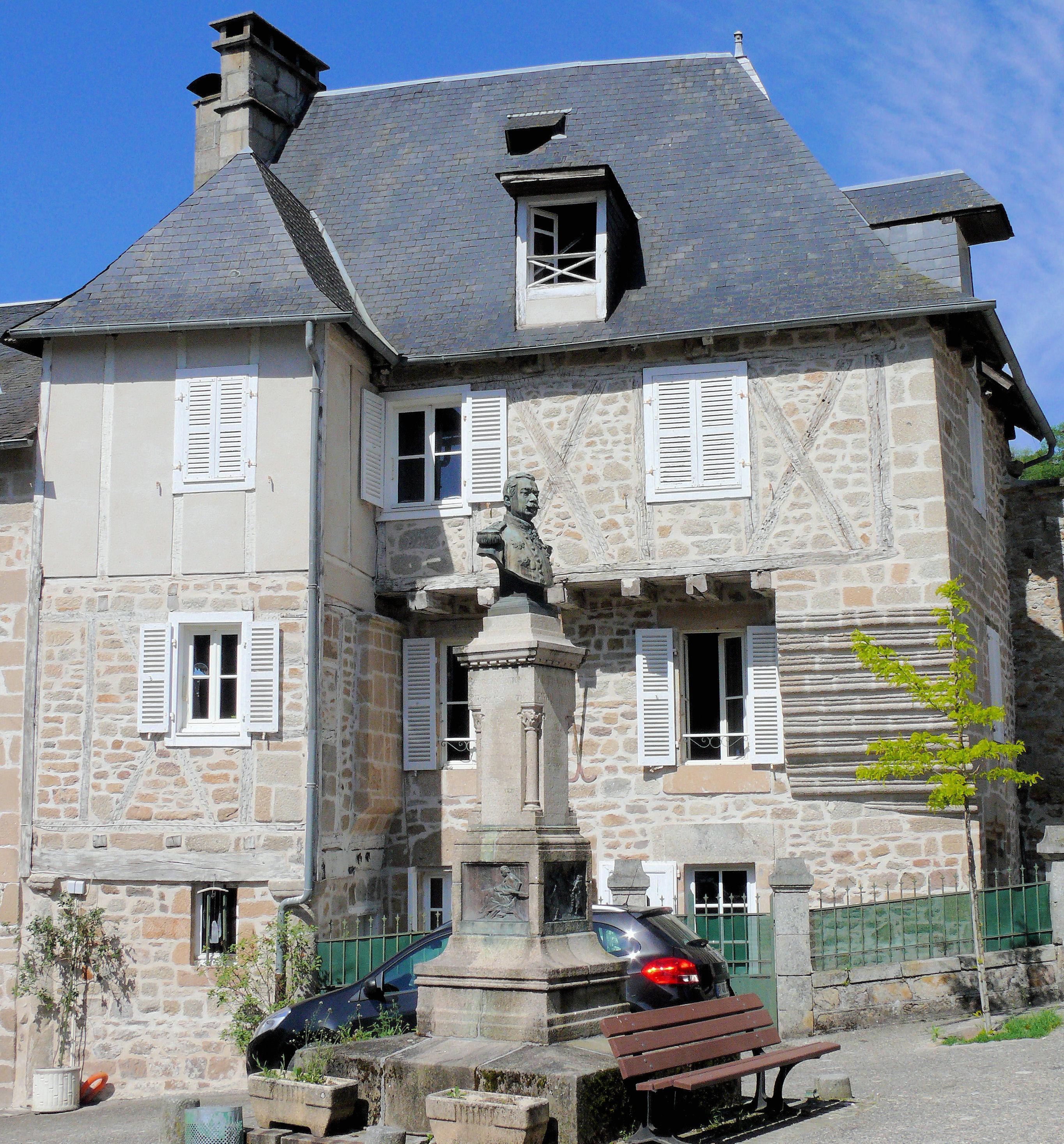 File Correze Maison A Cote De La Porte Margot Jpg Wikimedia Commons