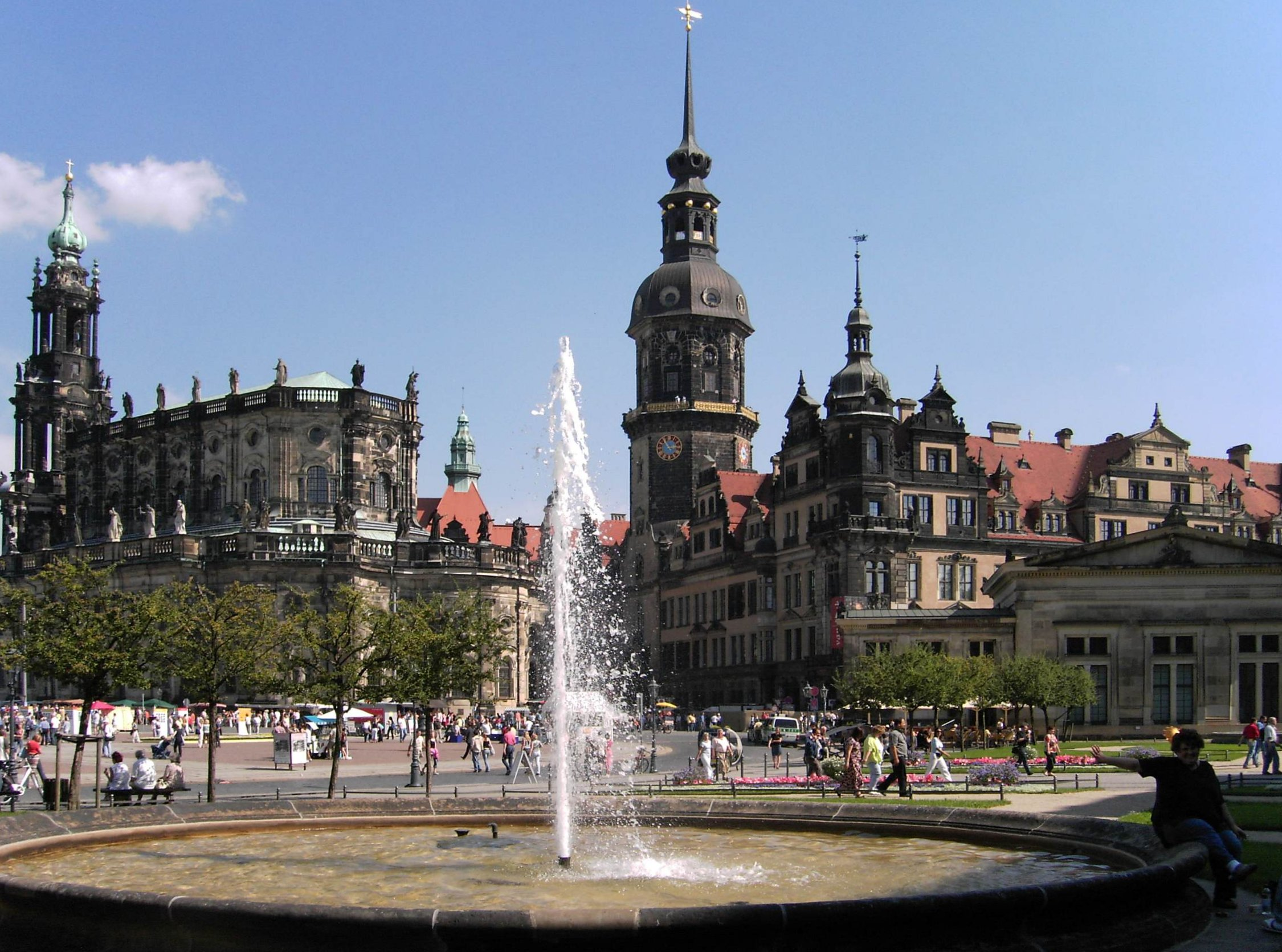Dresden-Schloss.and.Dom.JPG