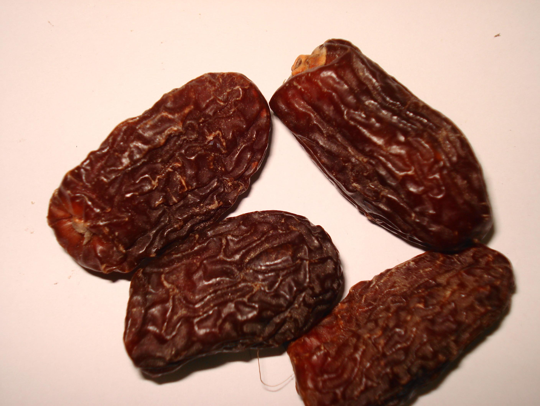 date definition fruit