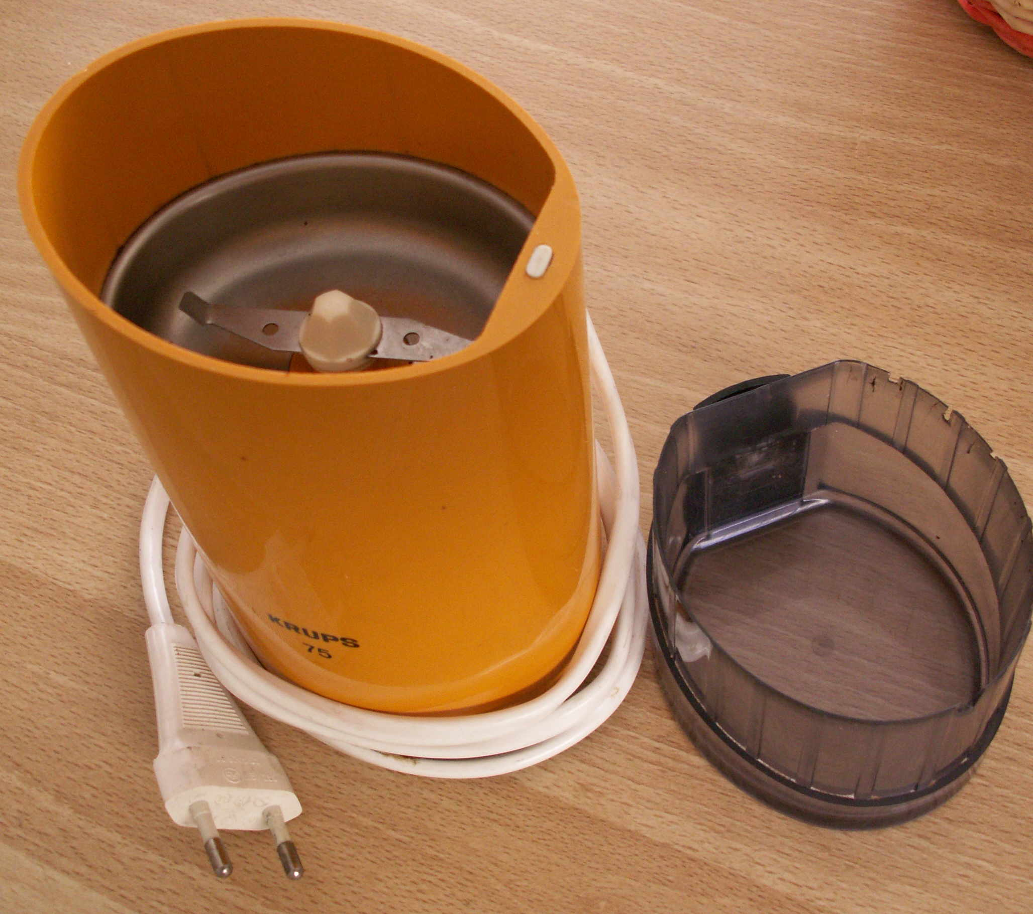 A typical blade coffee grinder.