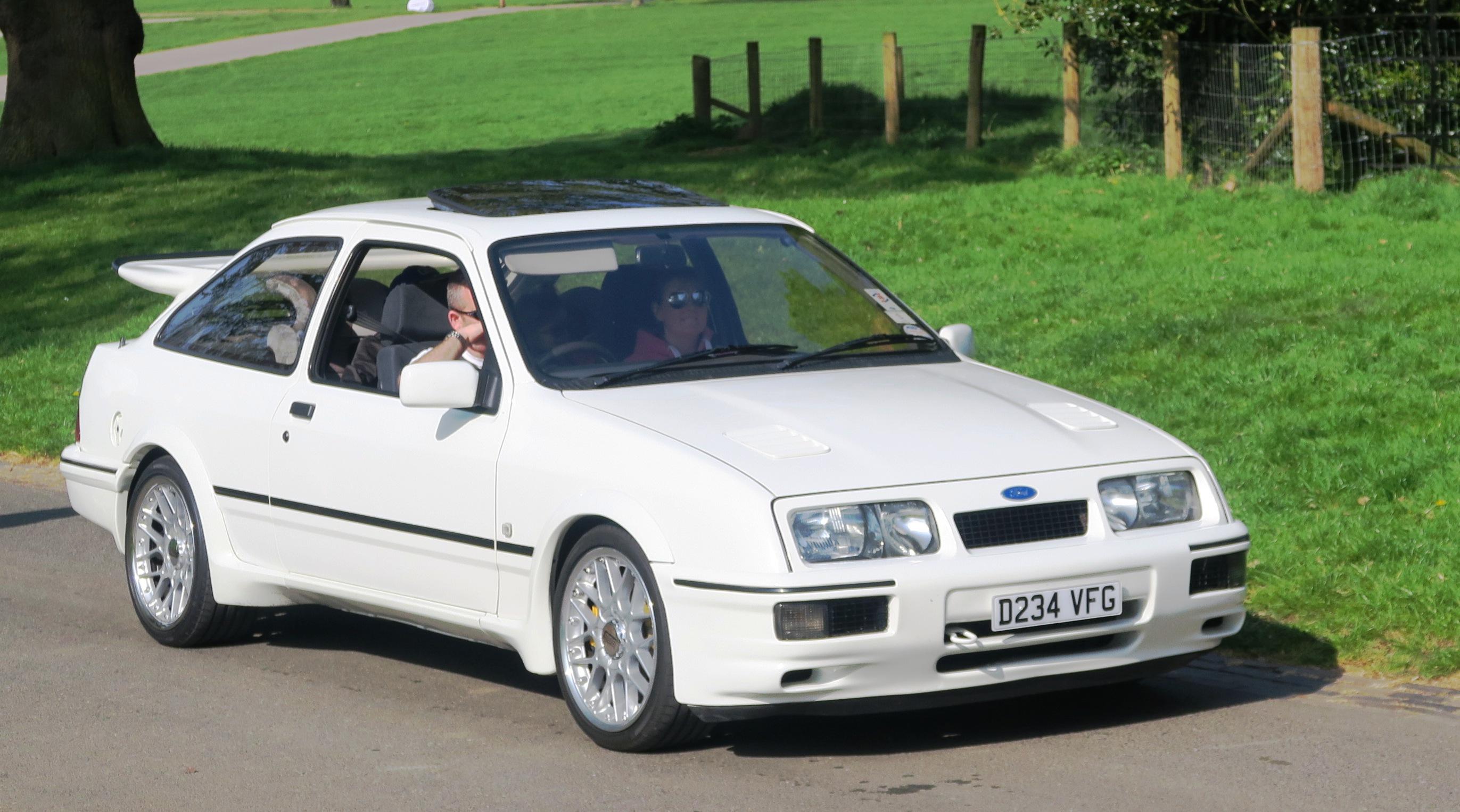 Ford_Sierra_1993cc_registered_November_1
