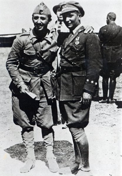 Francisco and his brother Ramon in North Africa, 1925 Francisco y Ramon Franco 1925.jpg