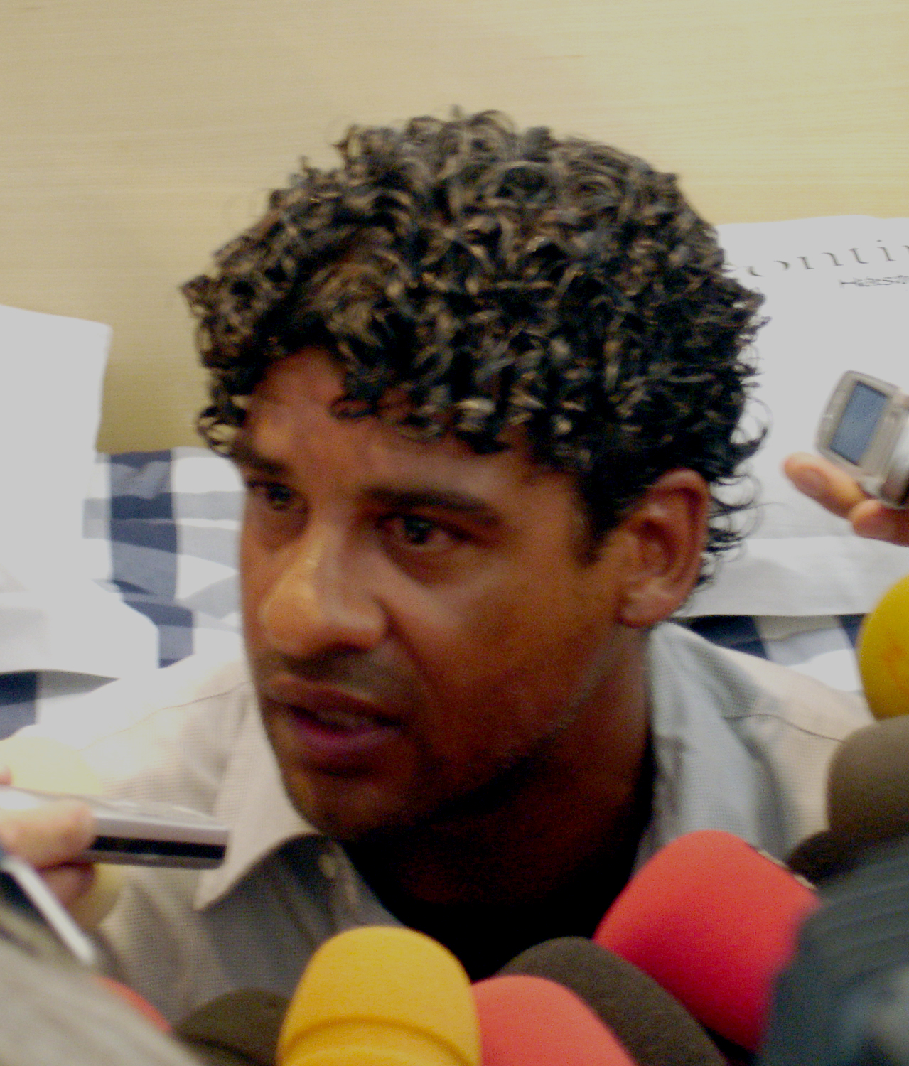 The 55-year old son of father (?) and mother(?) Frank Rijkaard in 2018 photo. Frank Rijkaard earned a  million dollar salary - leaving the net worth at 20 million in 2018