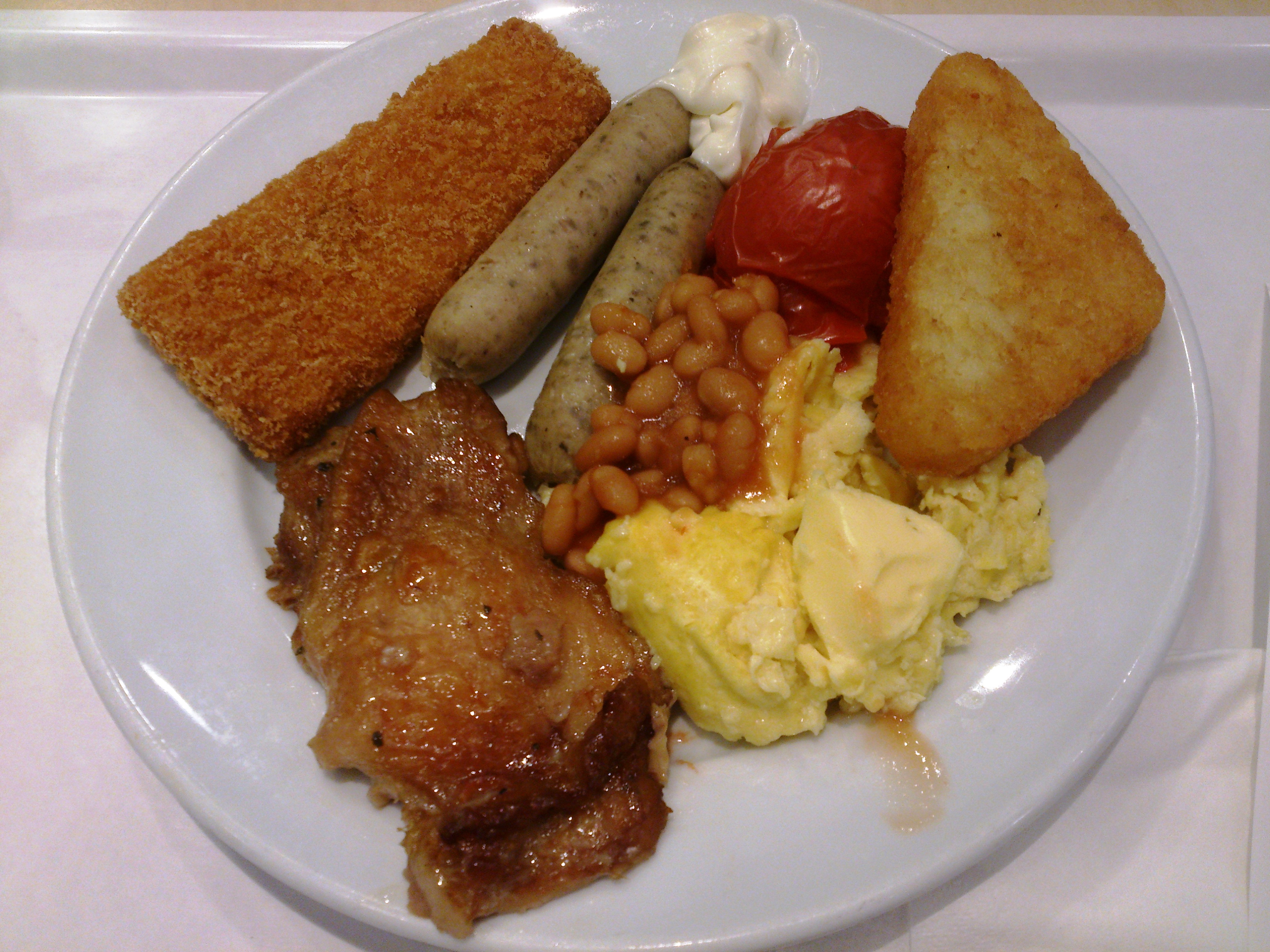 ... , Fried fish fillet, Hash brown, Roasted tomato and Baked beans.JPG