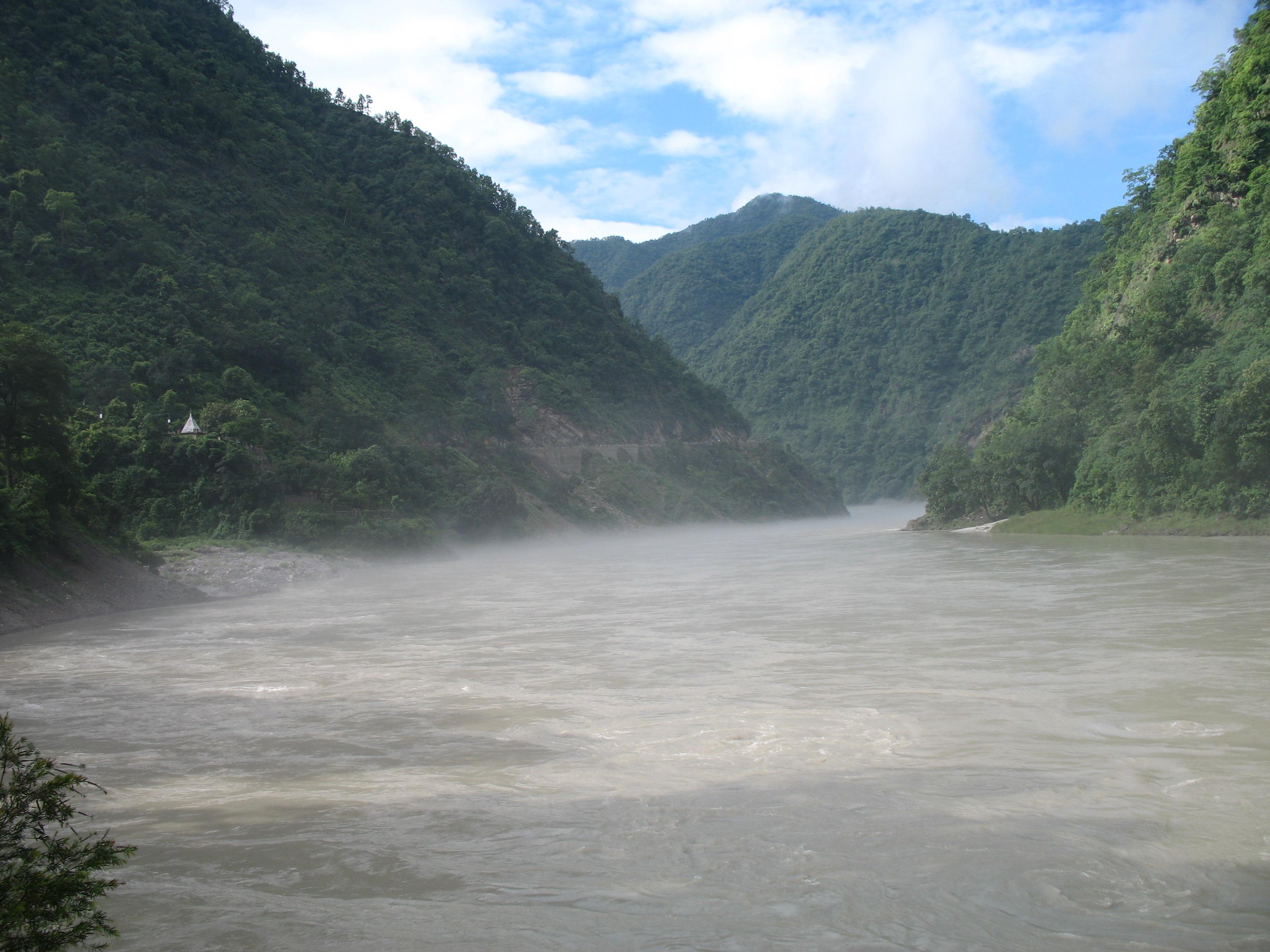 Ganga at Kaudiayala.jpg