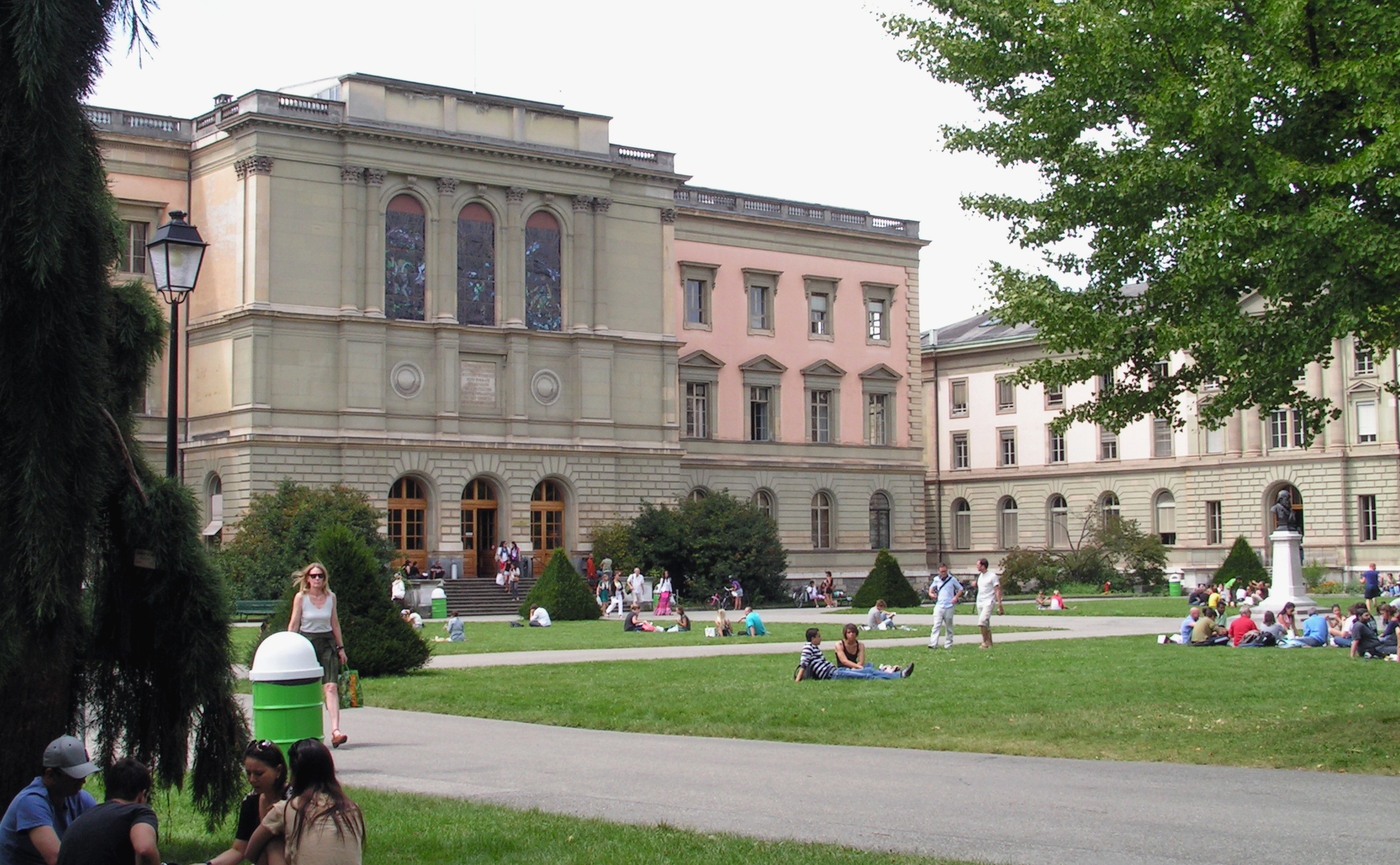 Geneva University Of Art And Design