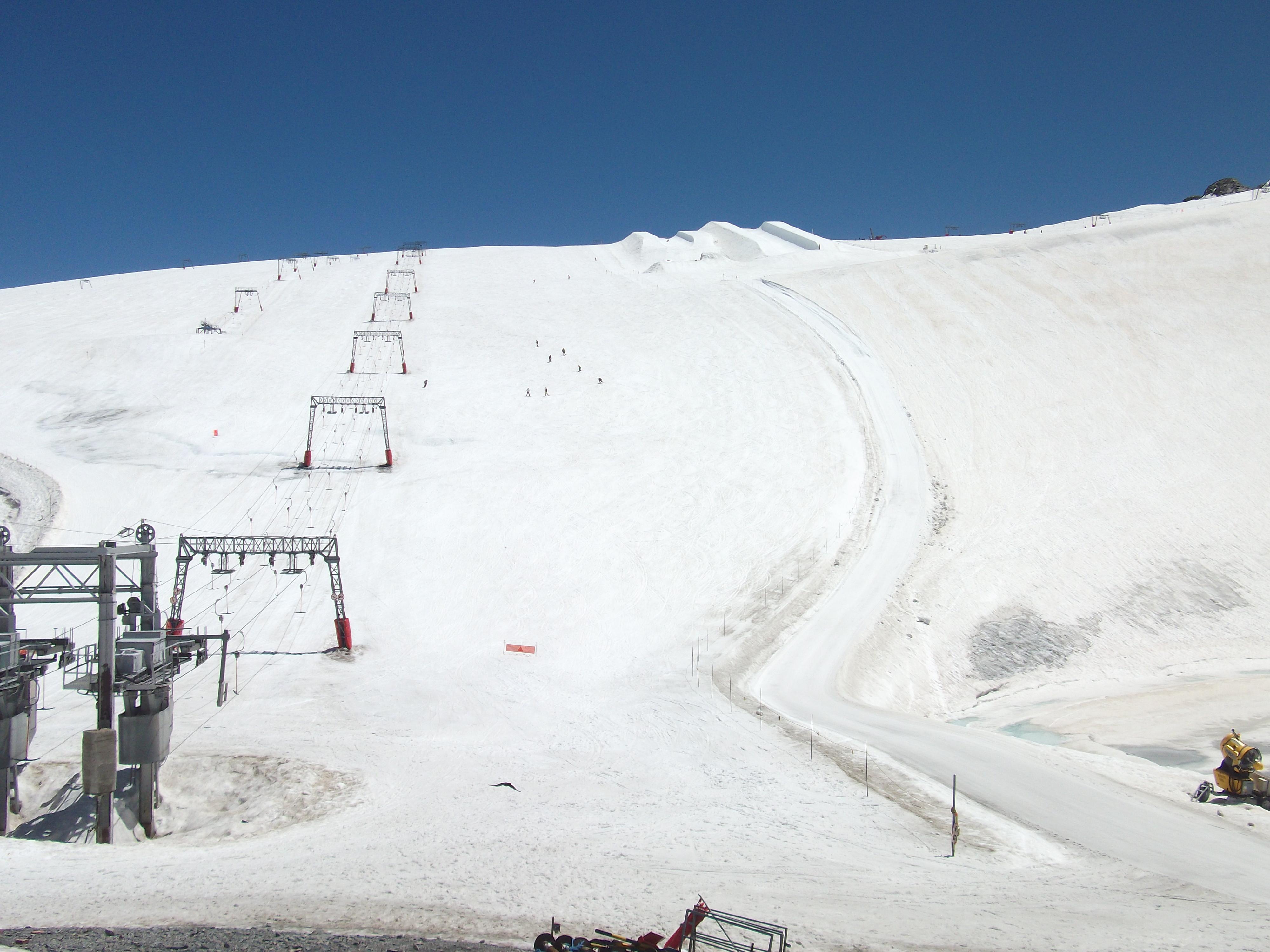 File:Glacier de Mont-de-lans ou de Mantel.JPG