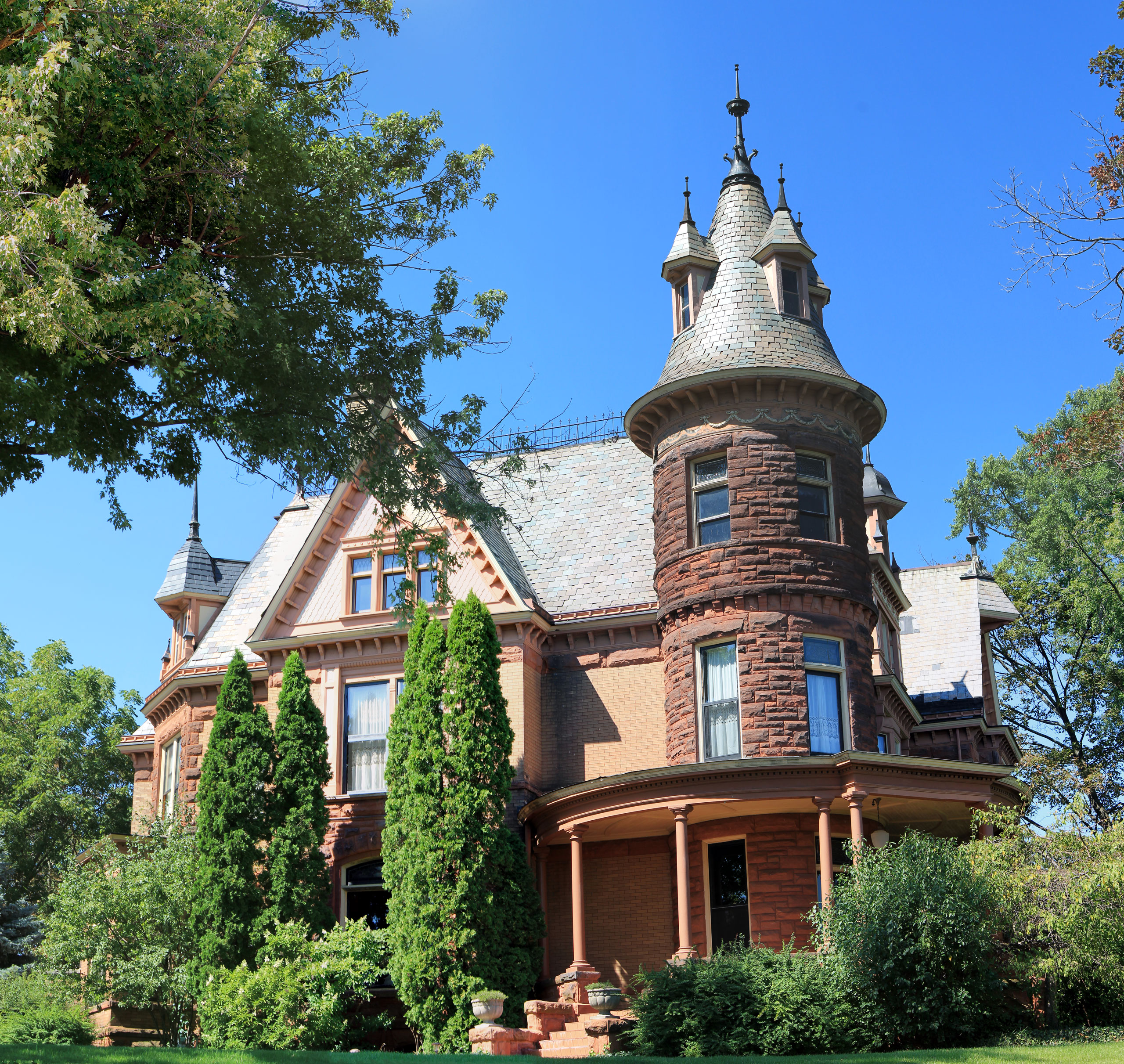 Ten Most Haunted Places - The Awesome Mitten