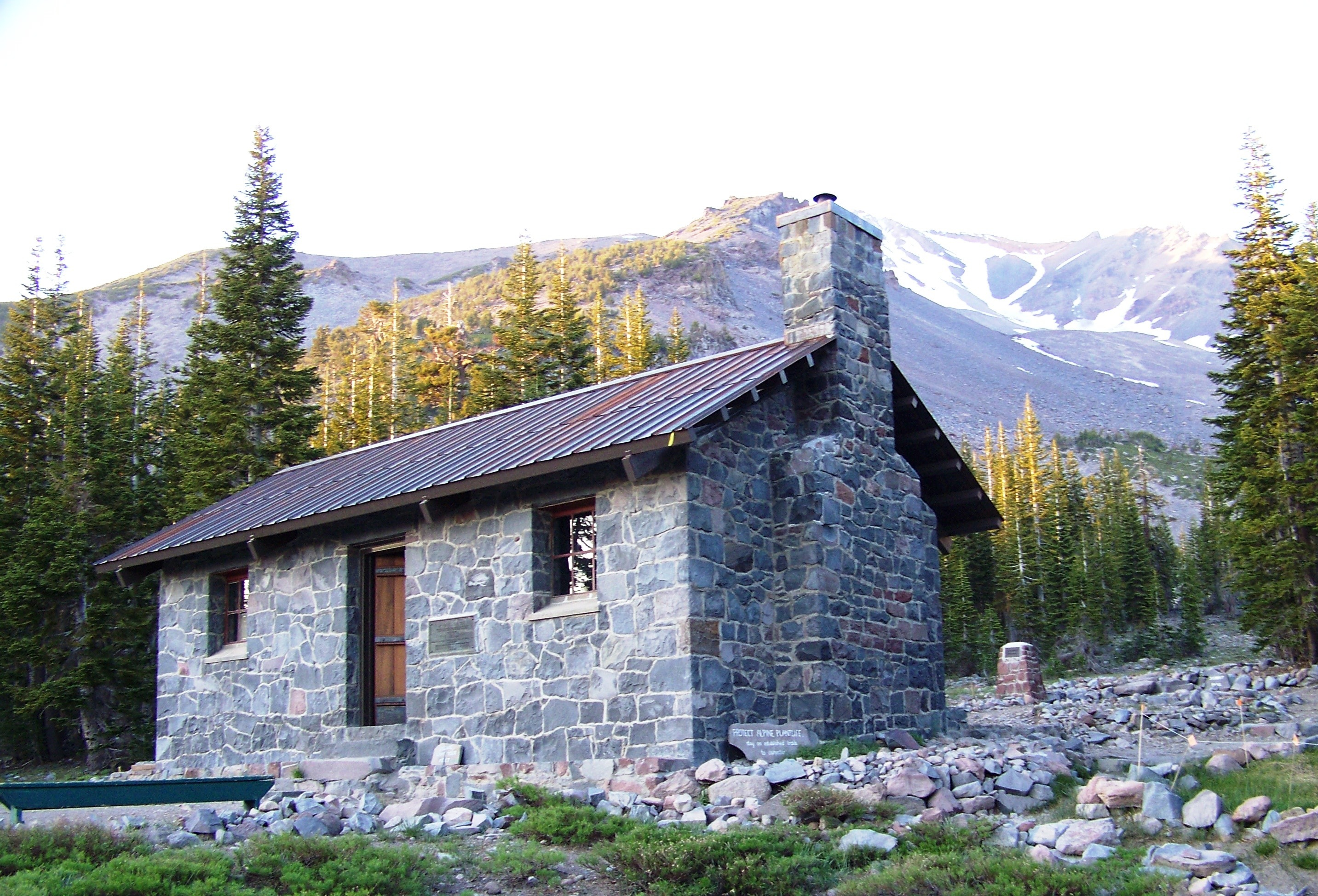 photo of Shasta Alpine Lodge at Horse Camp on Mount Shasta, CA