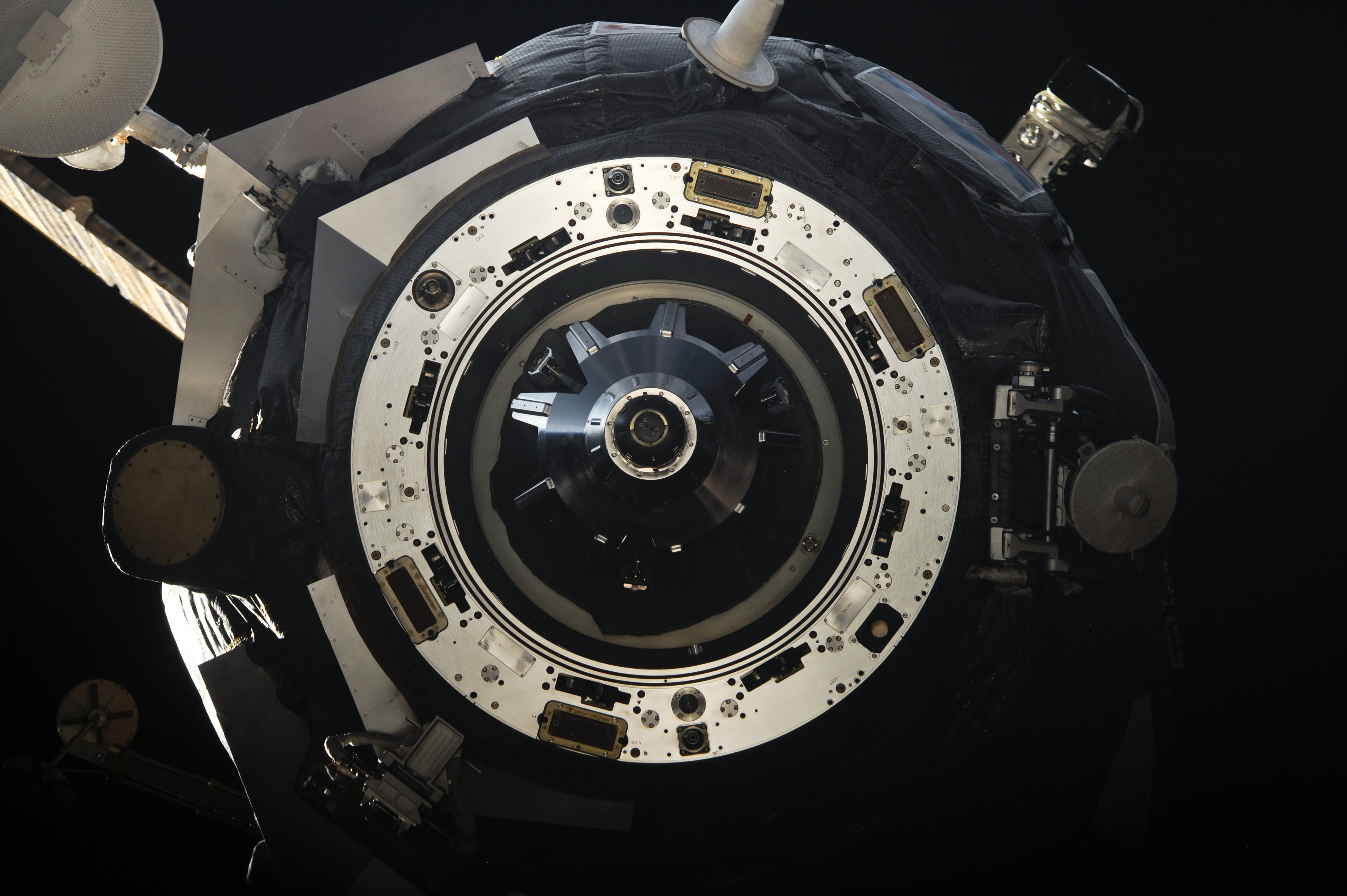 iss-28 progress m-11m supply vehicle departs from the iss.jpg