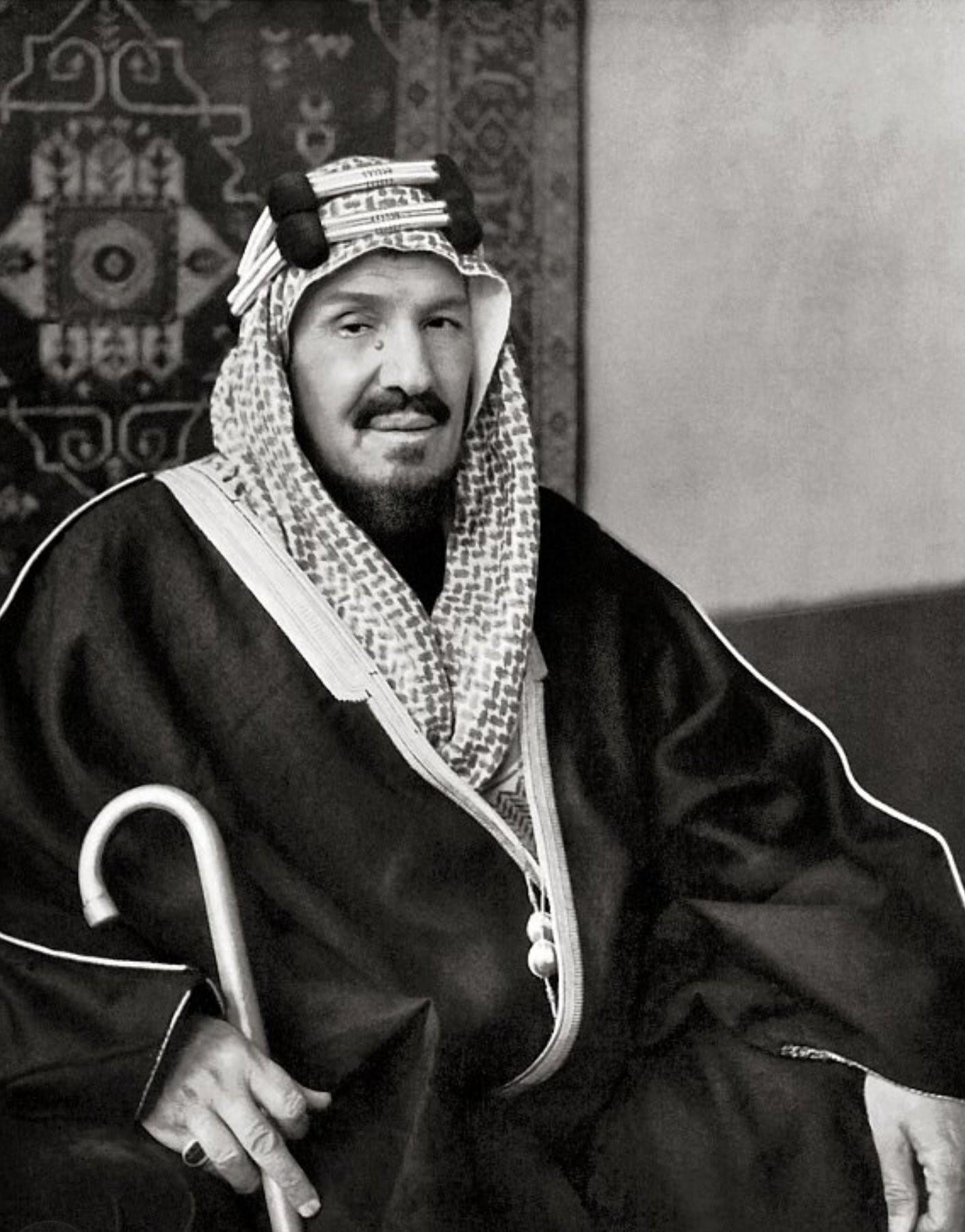 Der 94 Jahre alte, 180 cm große Abdul Aziz bin Saud in 2018 Foto