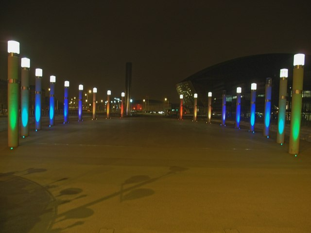 File:Illuminated Roald Dahl Plas.jpg