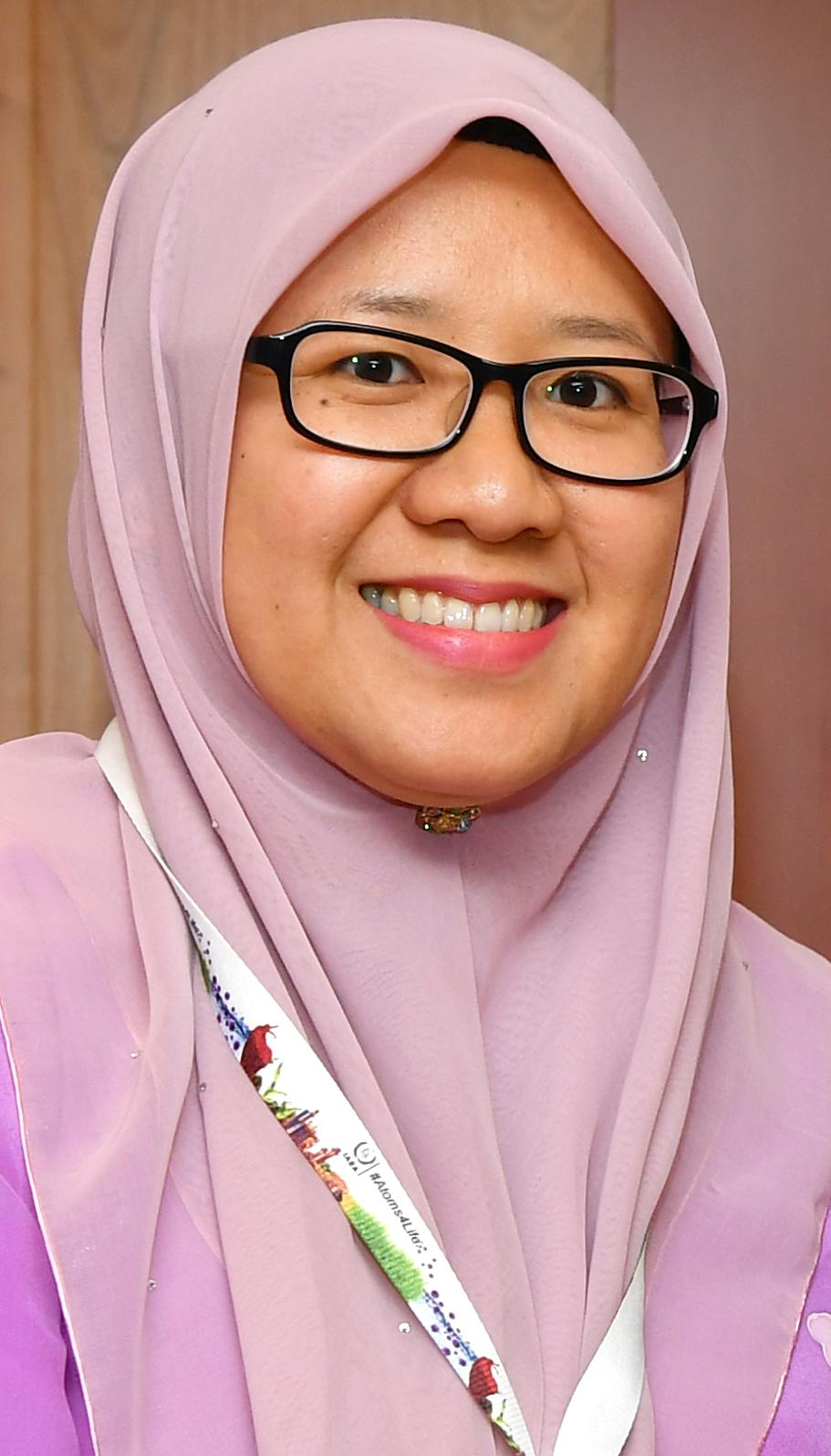 Isnaraissah Munirah Majilis - Wikipedia