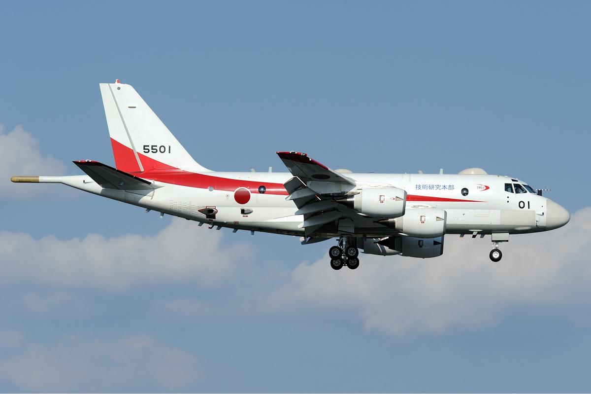 La foto diaria - Página 40 JMSDF_Kawasaki_XP-1_Aoki