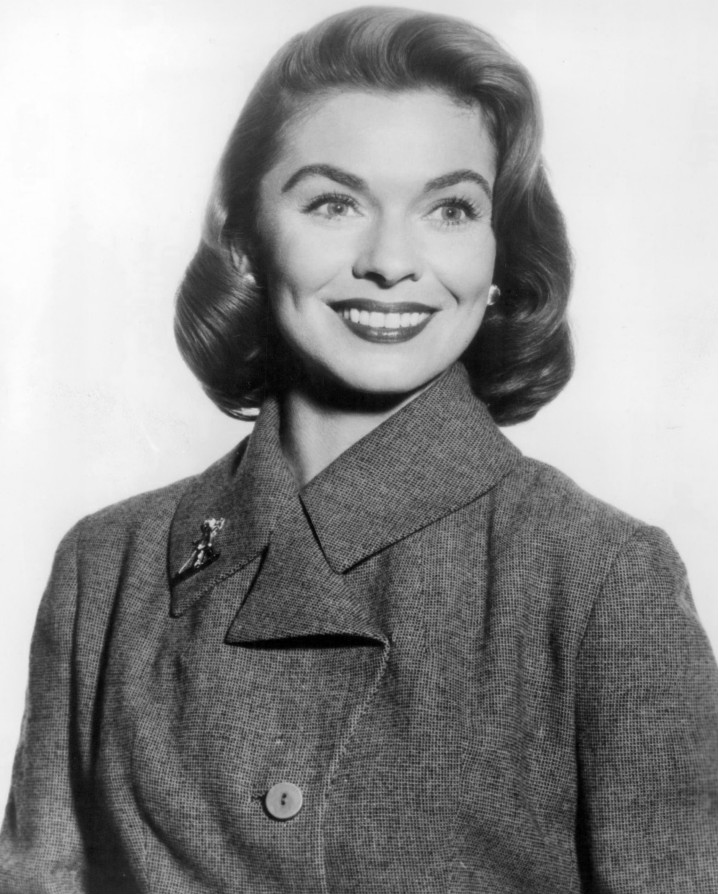 joanne dru measurements