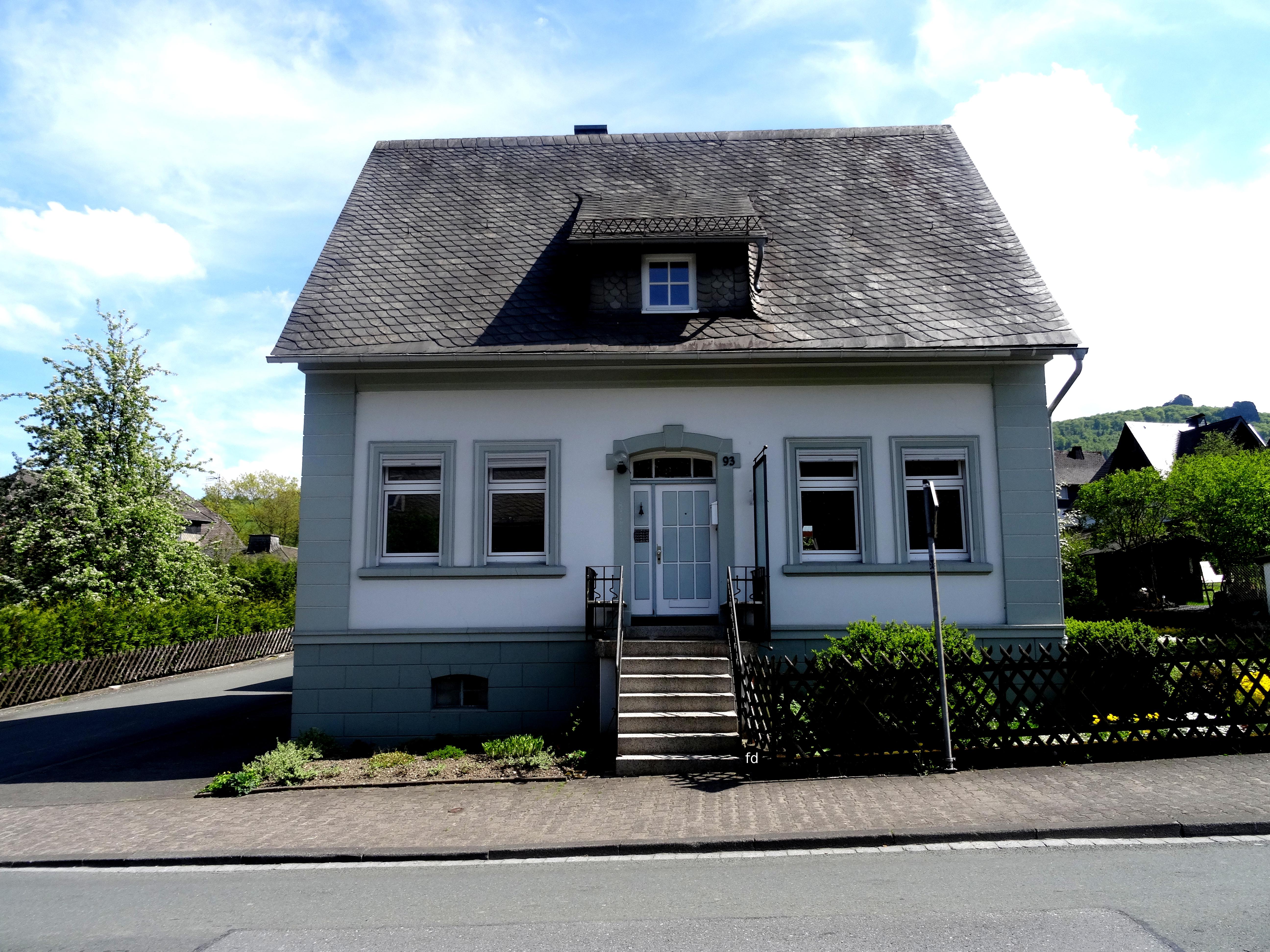 Datei:Kleinhaus Elleringhauser Str.93 fd.JPG – Wikipedia