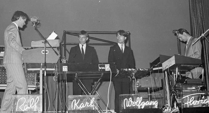 Kraftwerk by Ueli Frey (1976).jpg