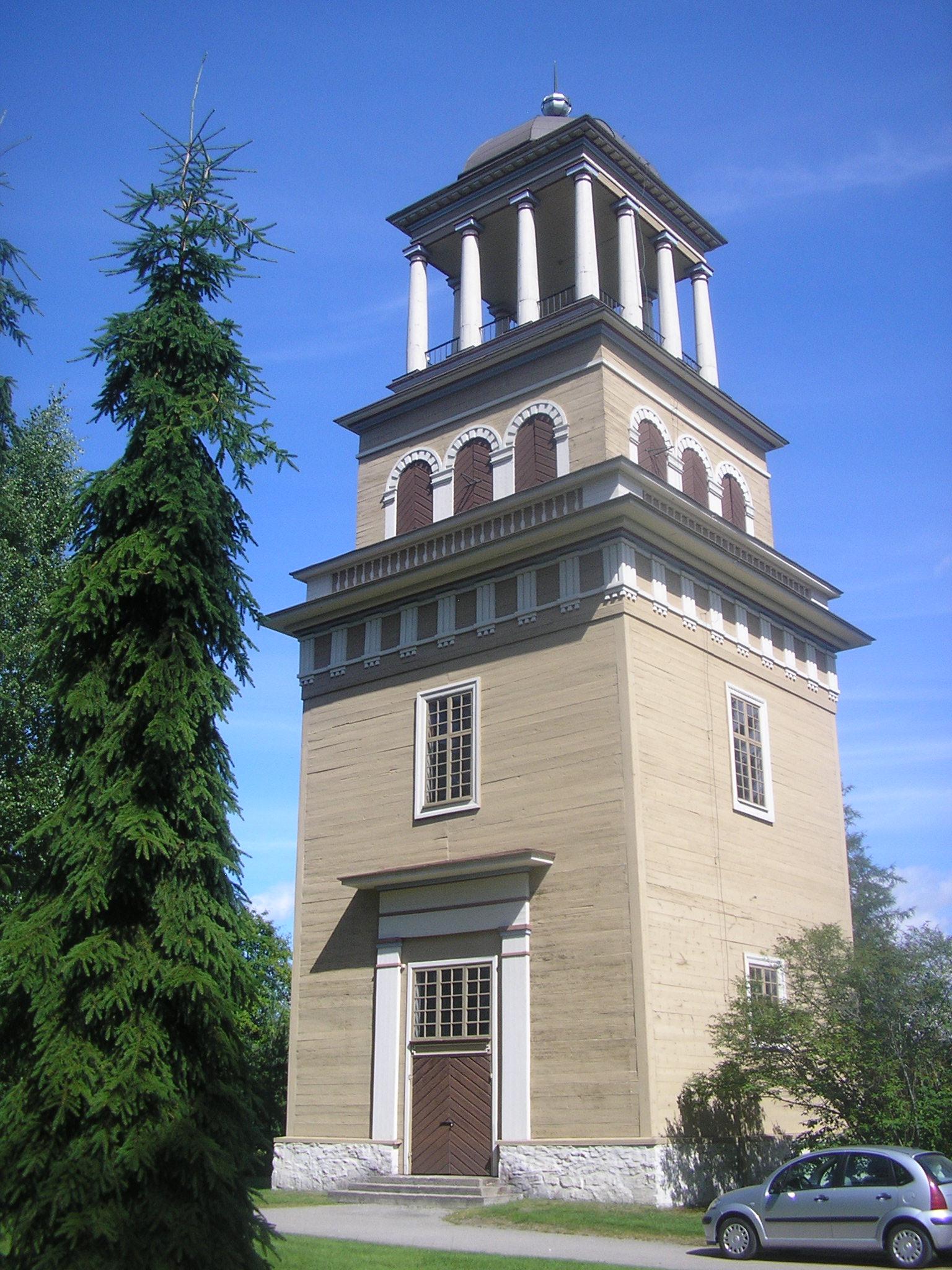 https://upload.wikimedia.org/wikipedia/commons/a/a3/Lieksa_bell_tower.jpg