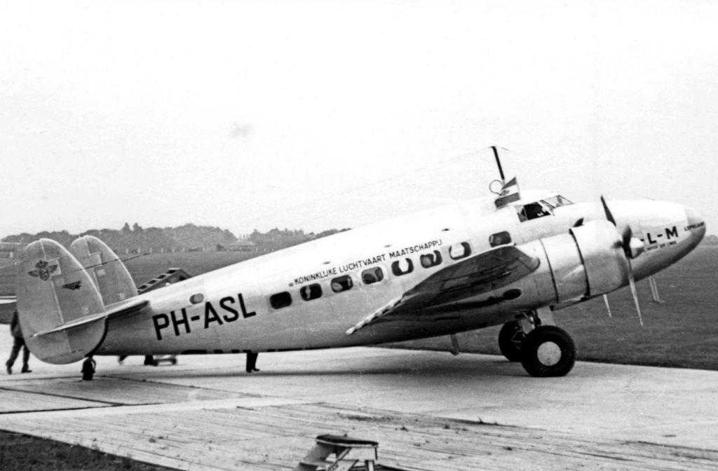 Lockheed_14_PH-ASL_KLM_Ringway_13.08.38_