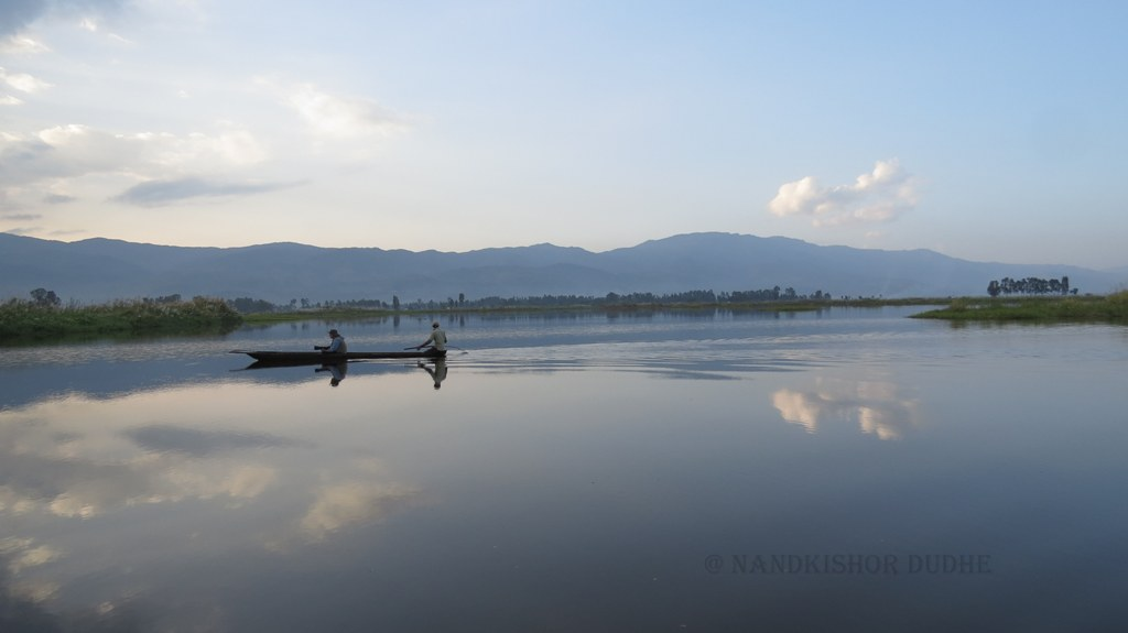 File:Loktak Lake, Manipur.jpg - Wikimedia Commons