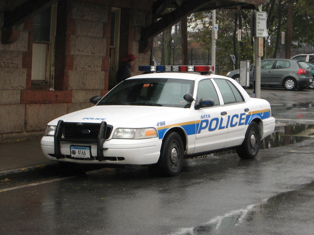MTA_Police_Crown_Victoria_Cruiser.JPG