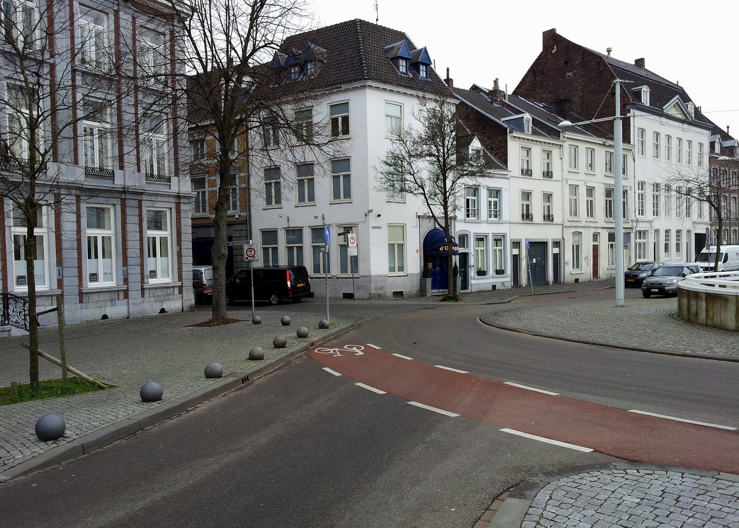 File:Maastricht2015, Van Hasseltkade bij Kleine Gracht.jpg ...